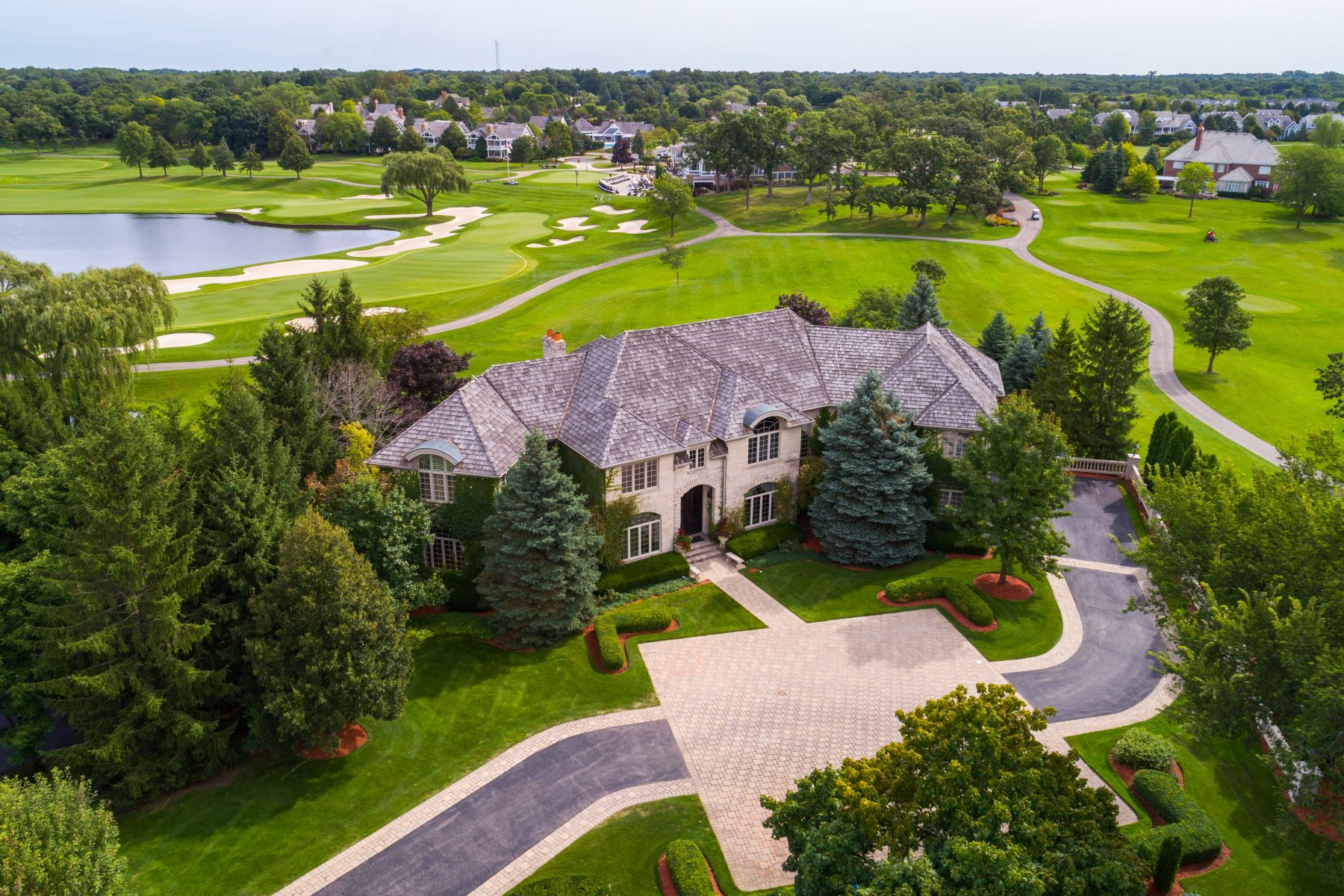 Single Family Homes for Active at Artful Graystone Manor 14 Kensington Drive North Barrington, Illinois 60010 United States