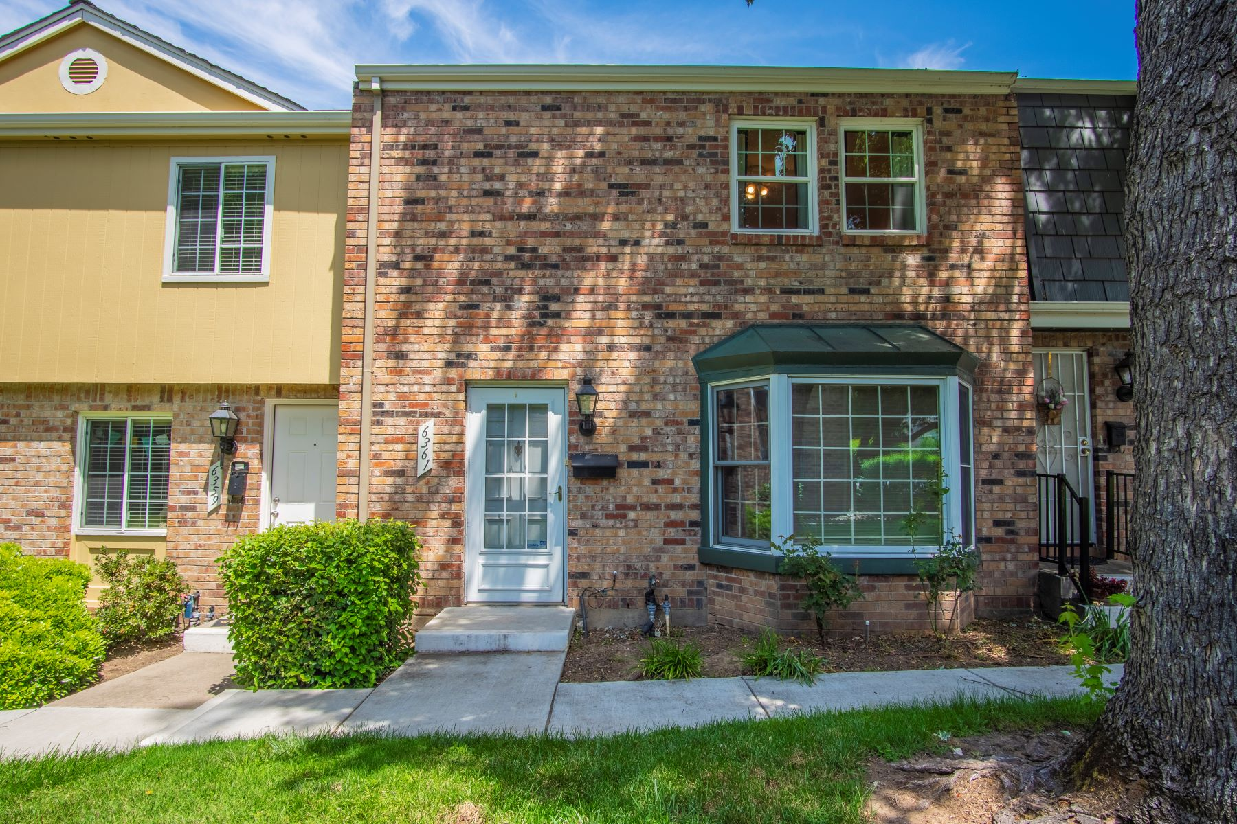 townhouses for Active at 6361 Wexford Circle, Citrus Heights, CA 95621 6361 Wexford Circle Citrus Heights, California 95621 United States