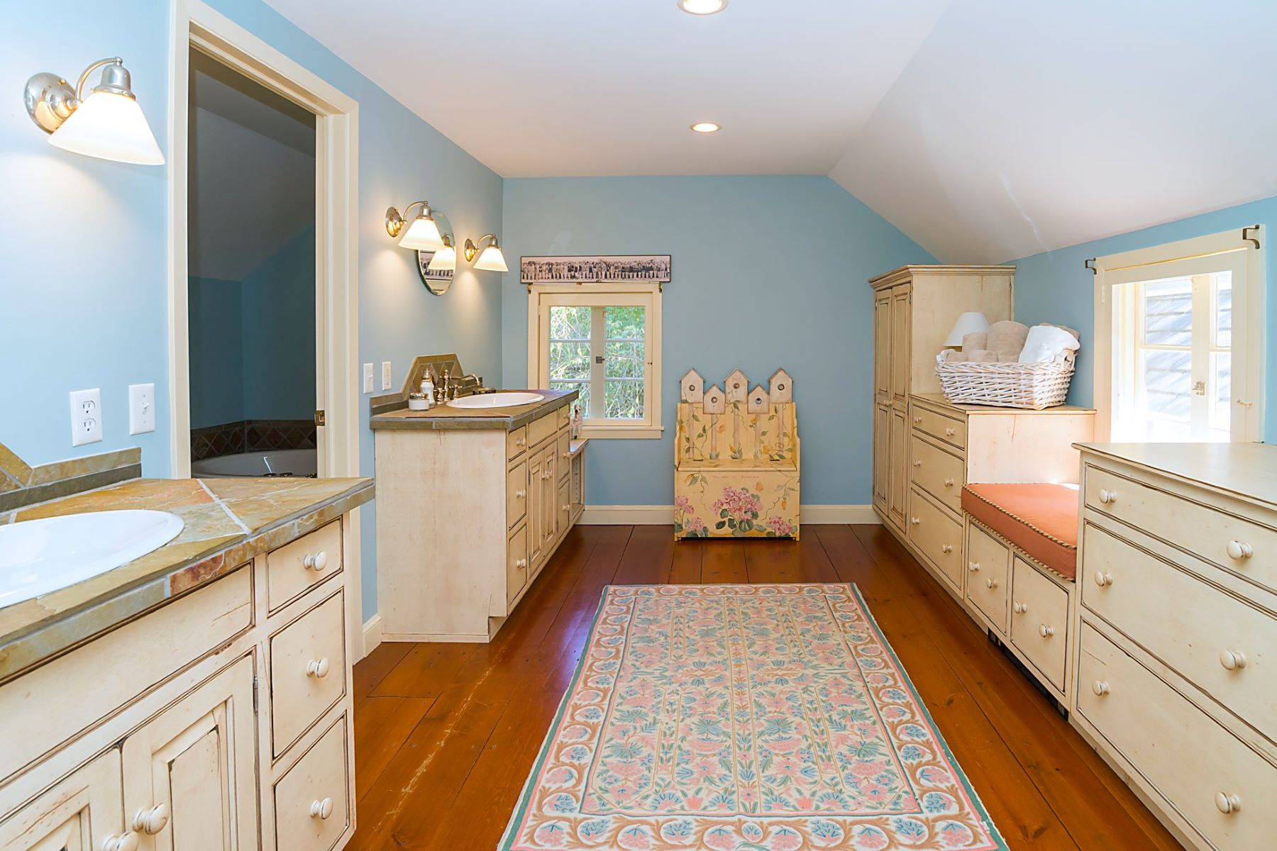 Additional photo for property listing at Red Bridge Farm: A Soothing Retreat 155 Lower Creek Road, Stockton, New Jersey 08559 United States