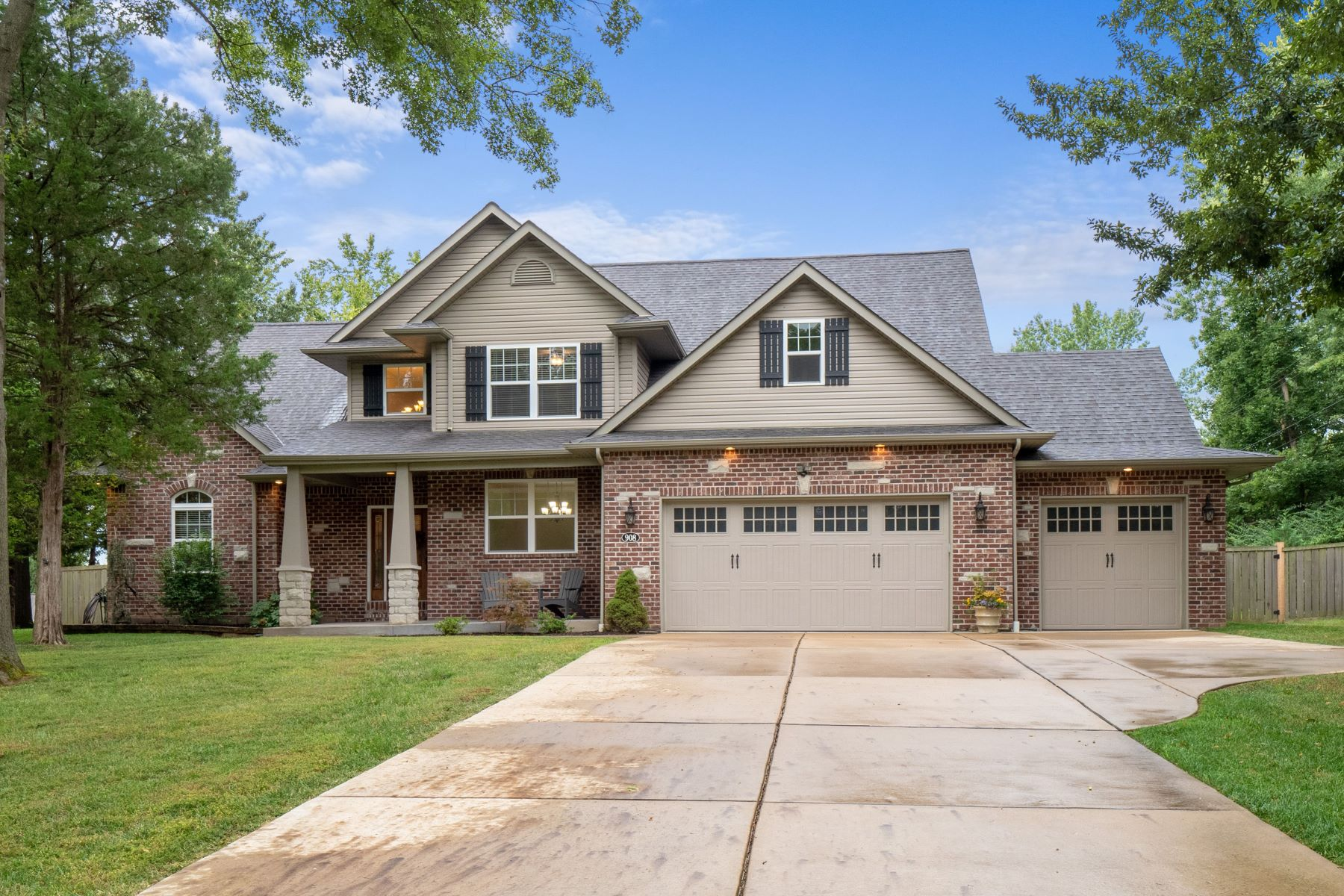 Property for Sale at Beautiful Executive Home 908 Coronet Drive Ballwin, Missouri 63011 United States