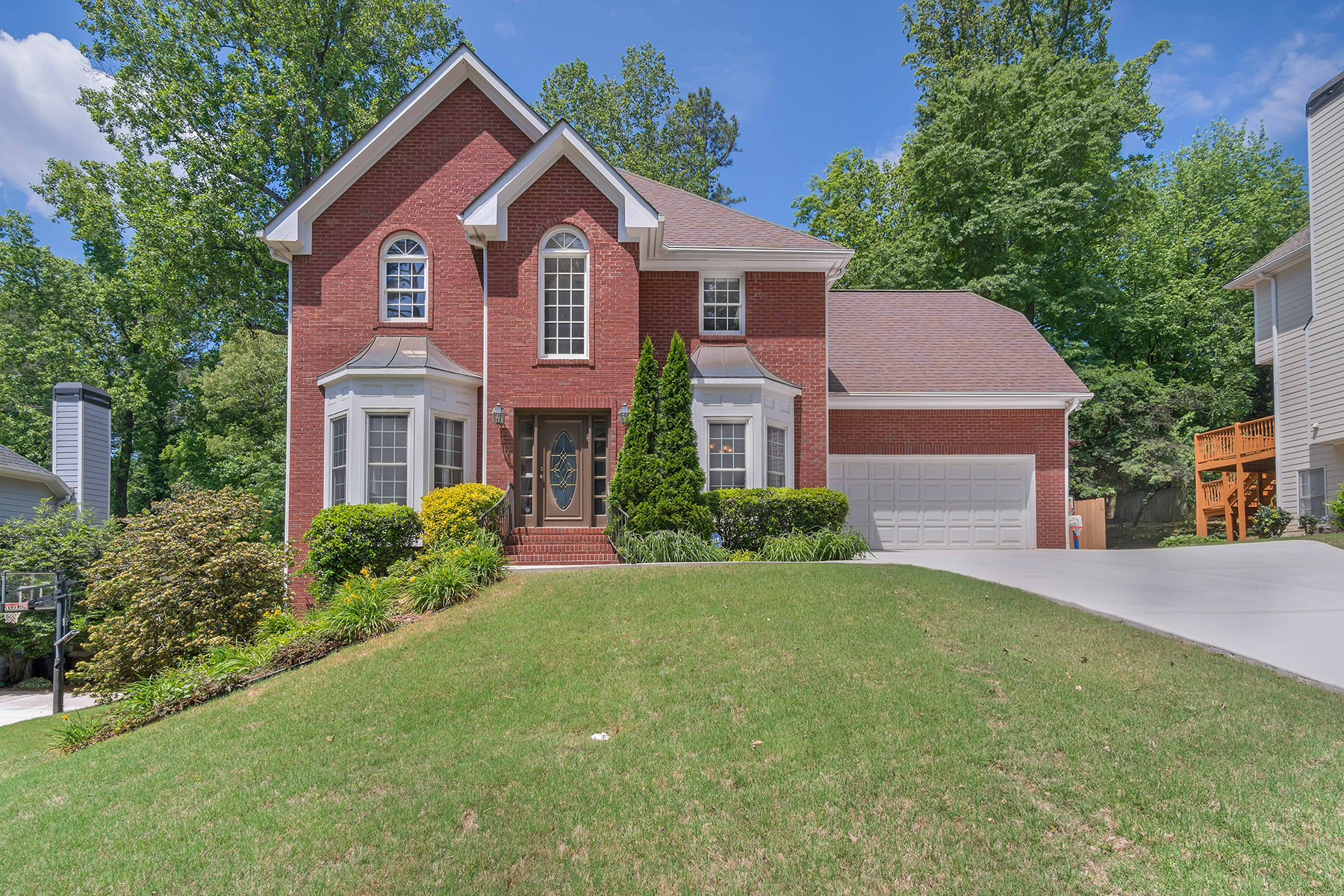 Single Family Home for Sale at Light And Bright In Sagamore/Lakeside School District 1840 Brockton Glen Atlanta, Georgia 30329 United States