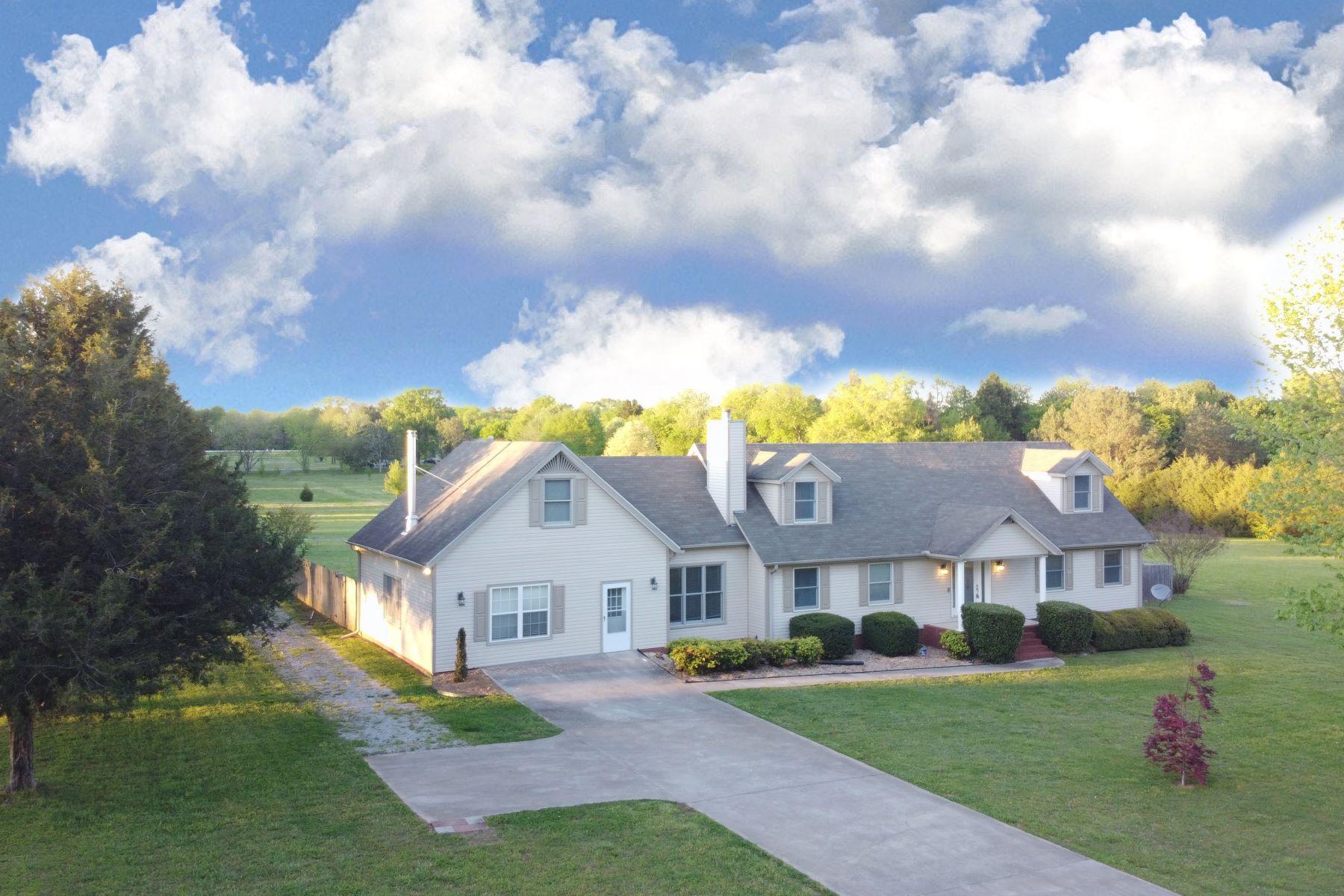Single Family Homes 为 销售 在 259 A SMITH Road Huntsville, 阿拉巴马州 35811 美国