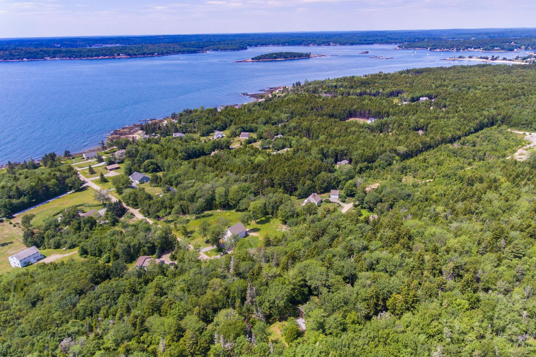 Single Family Homes for Active at 149 Seawood Park Road Bristol, Maine 04554 United States