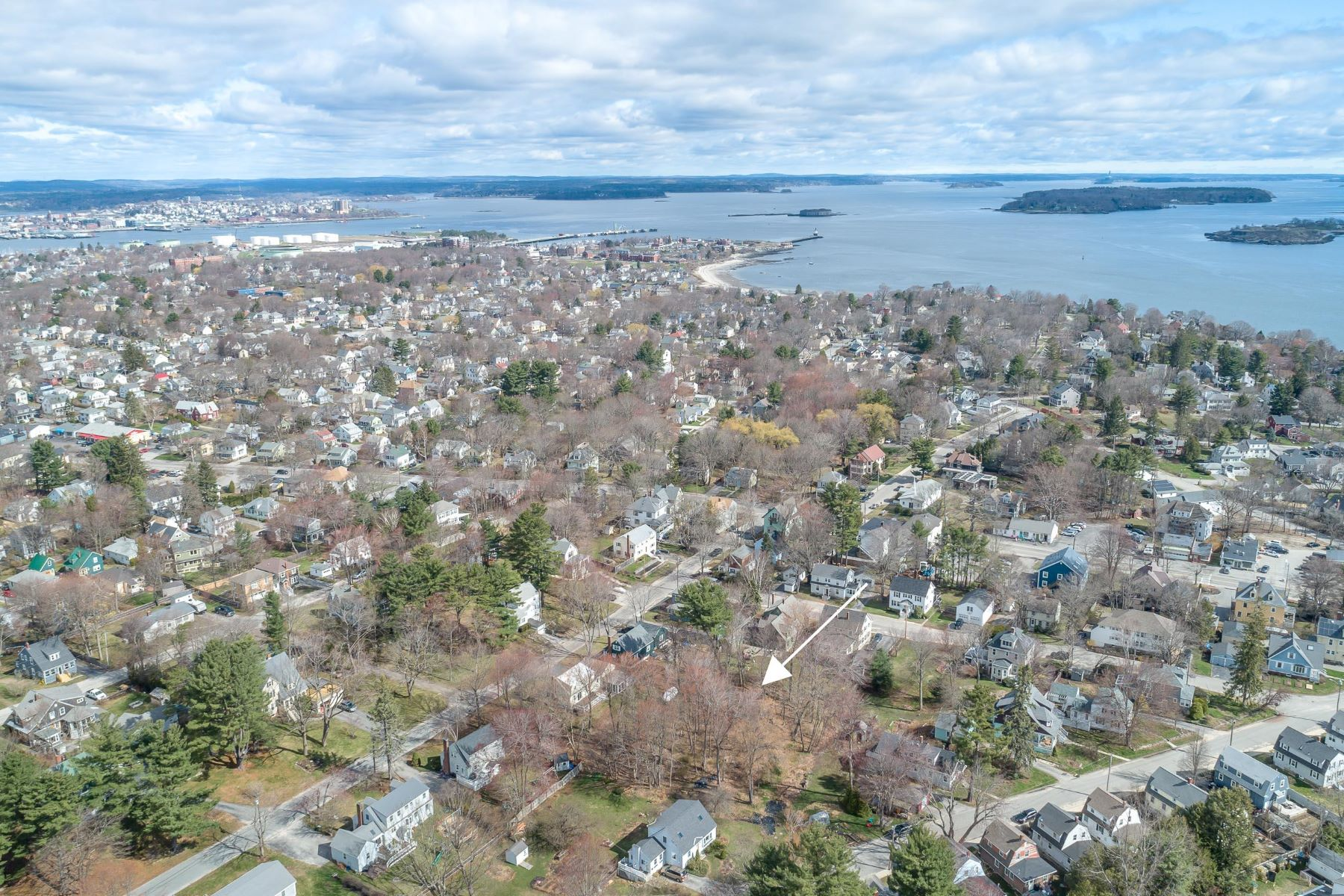 Single Family Homes for Active at 28 Woodland Road Cape Elizabeth, Maine 04107 United States