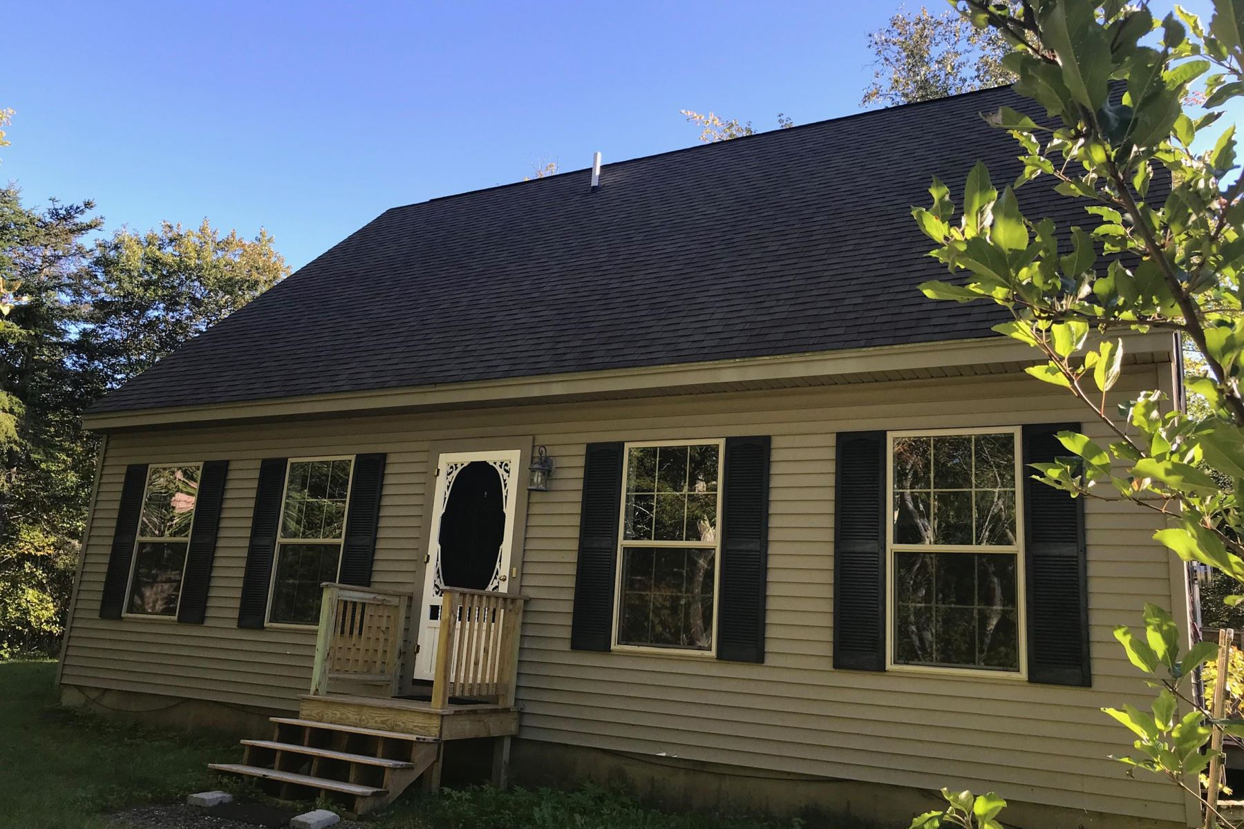 Single Family Homes for Active at 46 Murphy Road Boothbay, Maine 04537 United States