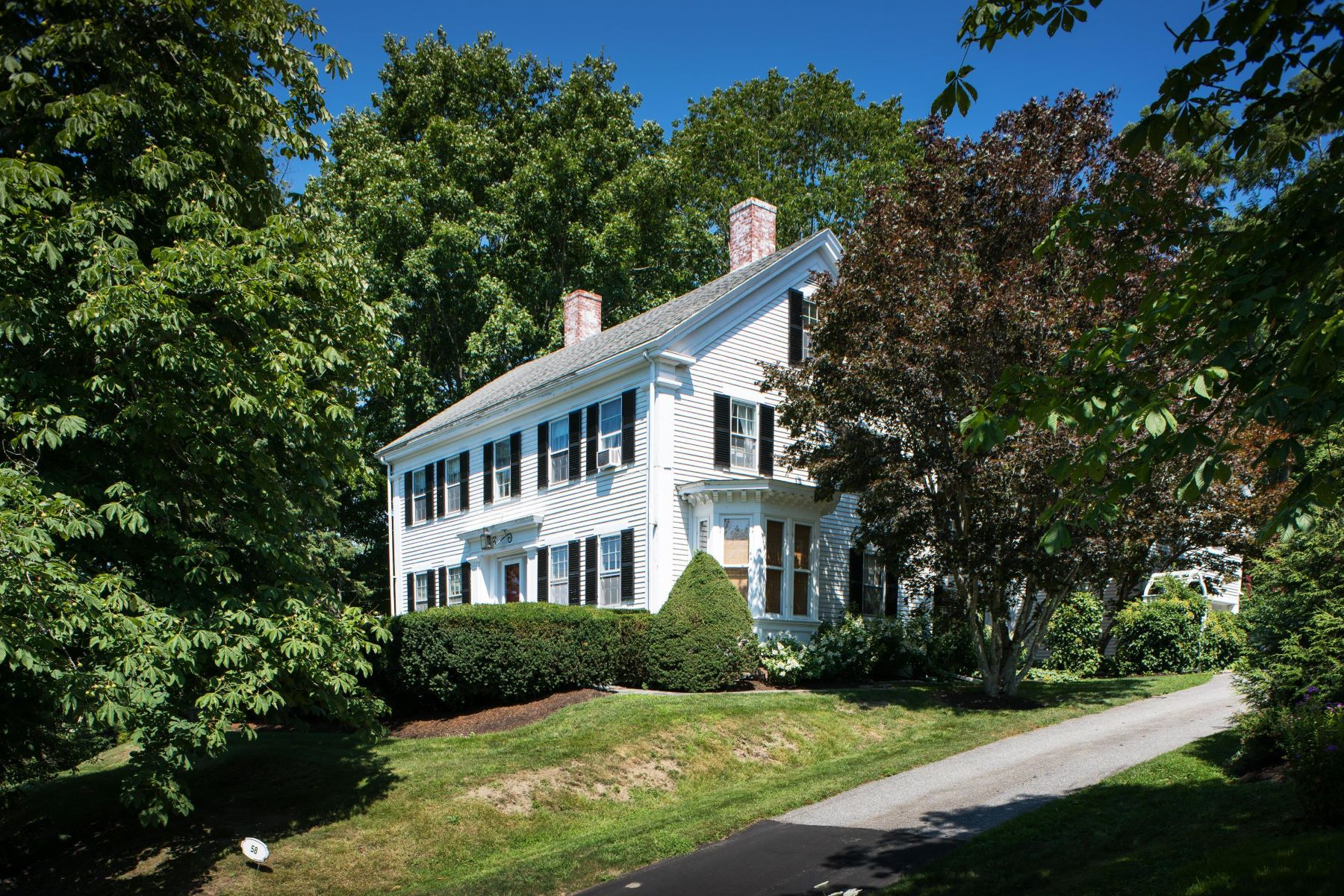 Single Family Homes for Active at 58 Bristol Road Damariscotta, Maine 04543 United States