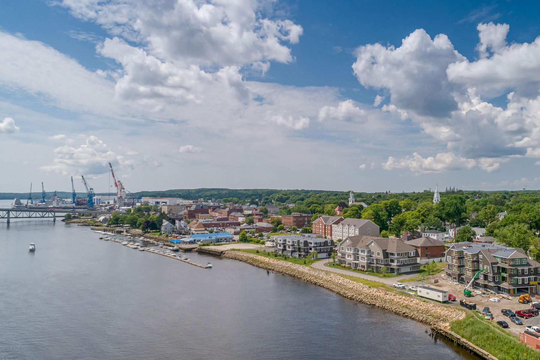 Condominiums por un Venta en 285 Front Street 201 Bath, Maine 04530 Estados Unidos