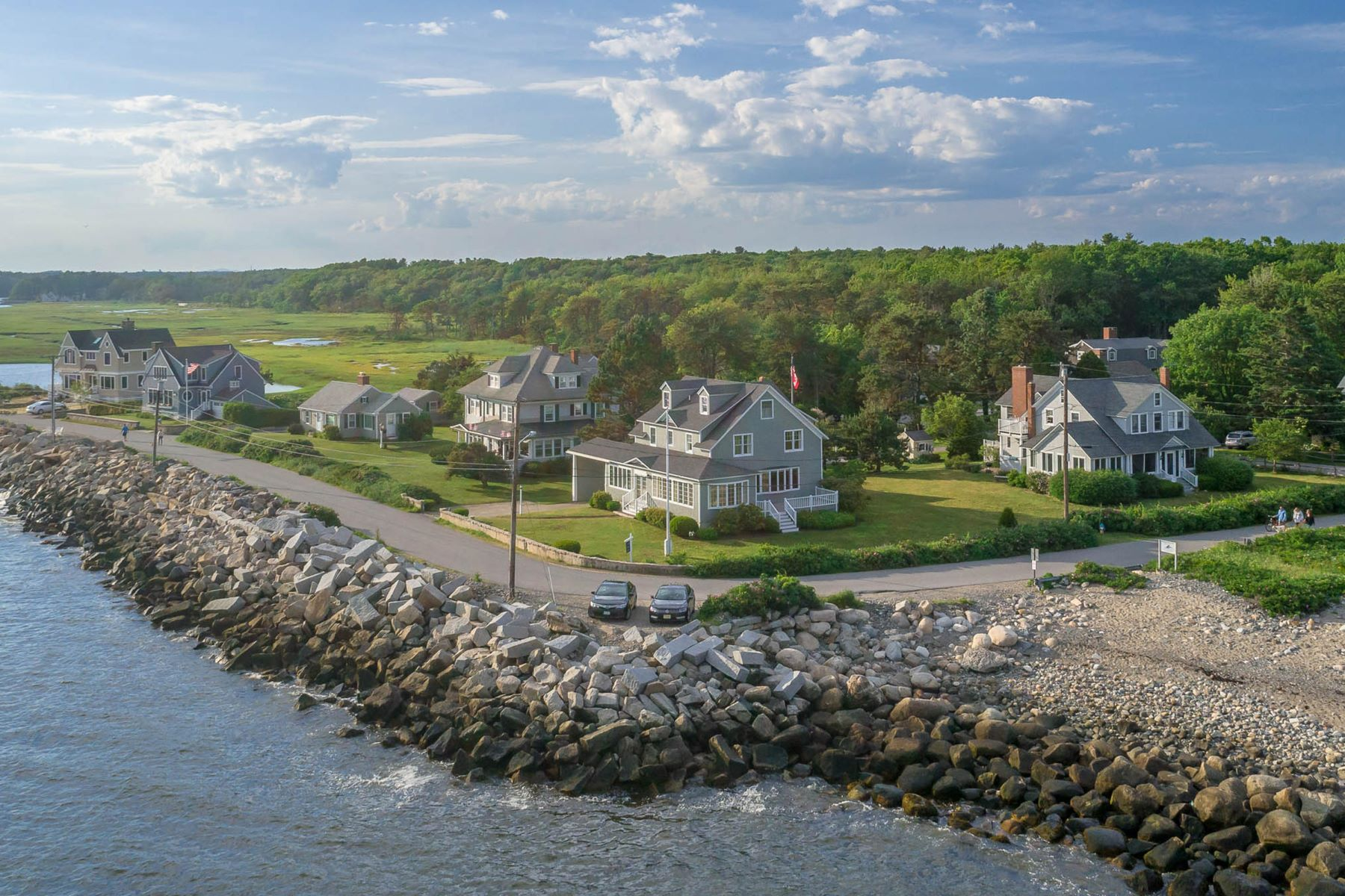 Single Family Homes for Active at 33 Great Hill Road Kennebunk, Maine 04043 United States