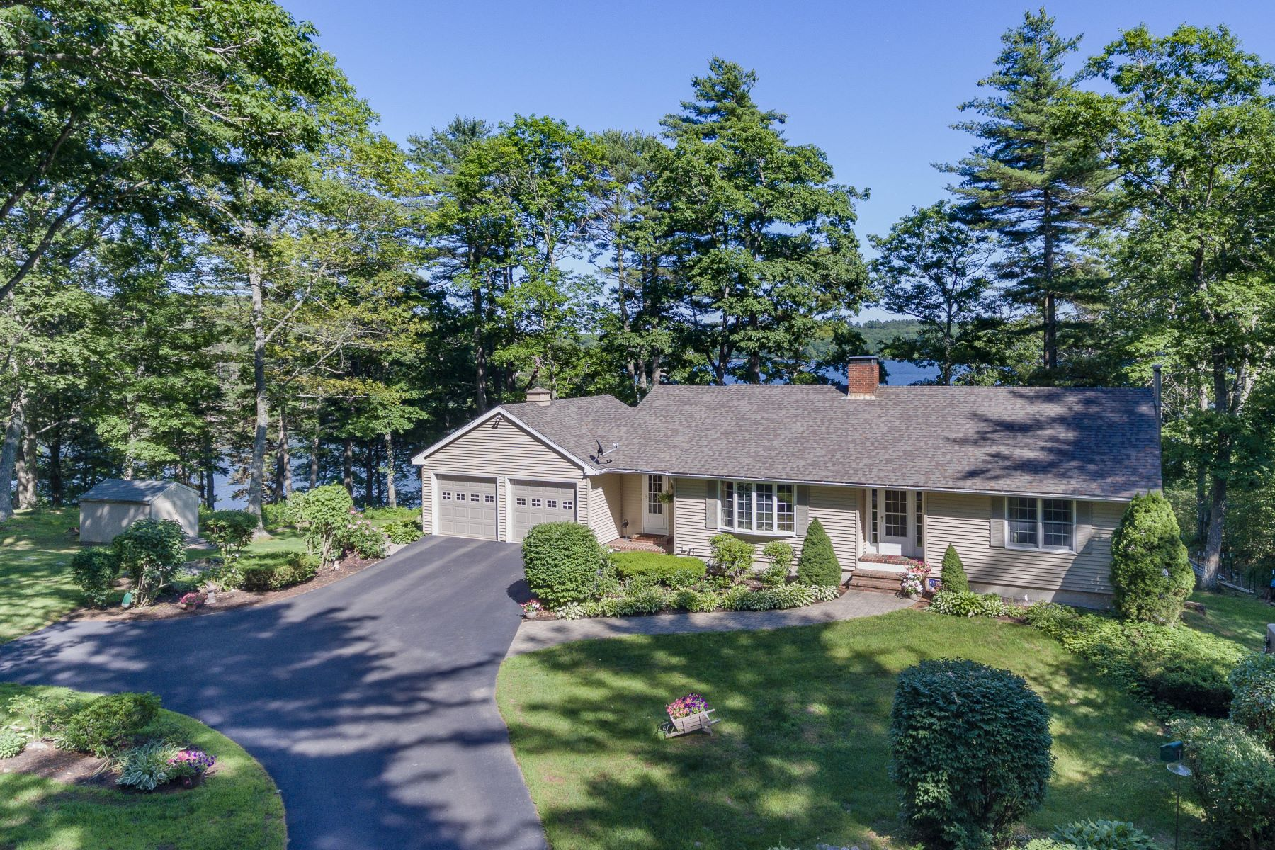 Single Family Homes for Active at 216 Youngs Point Road Wiscasset, Maine 04578 United States