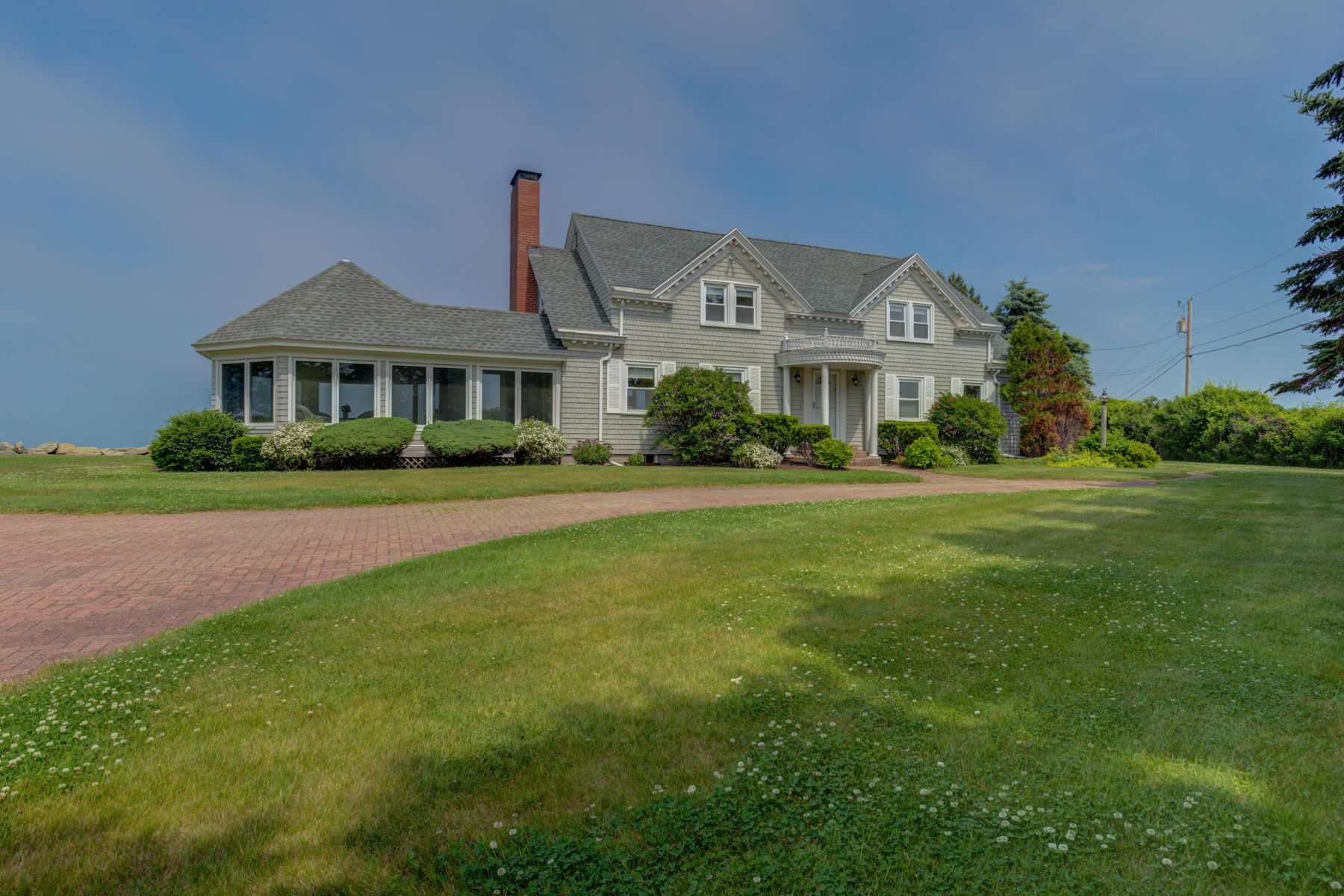 Single Family Homes for Active at 1 Sea Spray Drive Biddeford, Maine 04005 United States