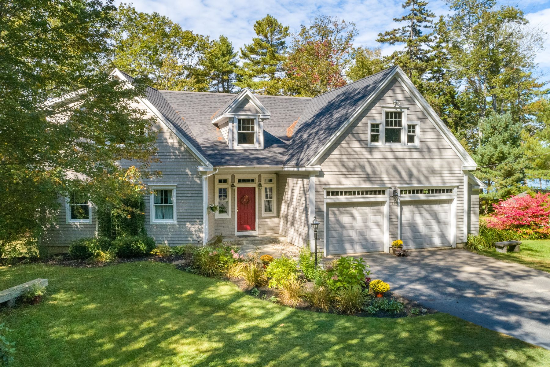 Single Family Homes for Active at 42 Narrows Lane Harpswell, Maine 04079 United States