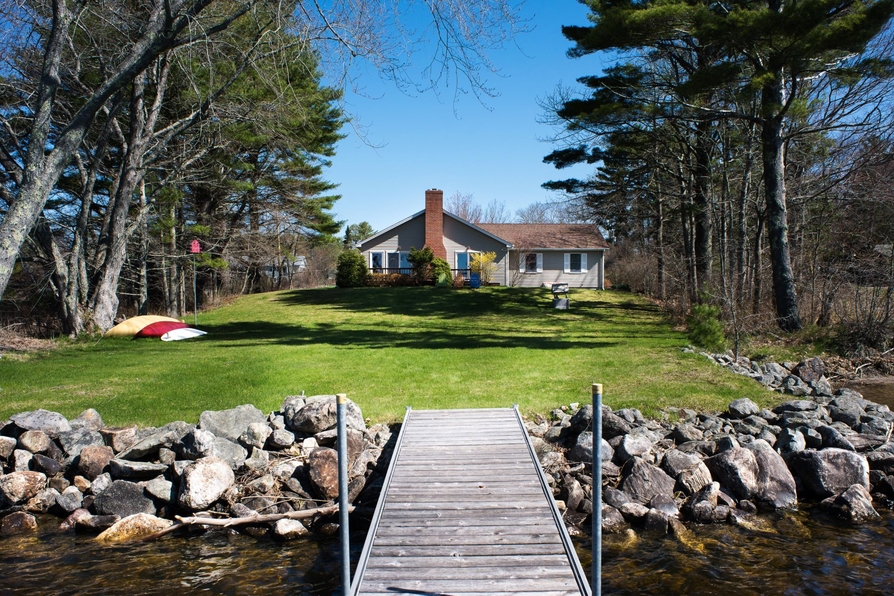 Single Family Homes for Active at 17 Baptism Beach Road Jefferson, Maine 04348 United States