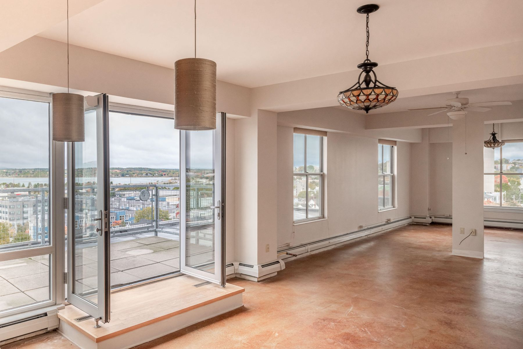 Condominiums for Sale at 21 Chestnut Street 703 Portland, Maine 04101 United States
