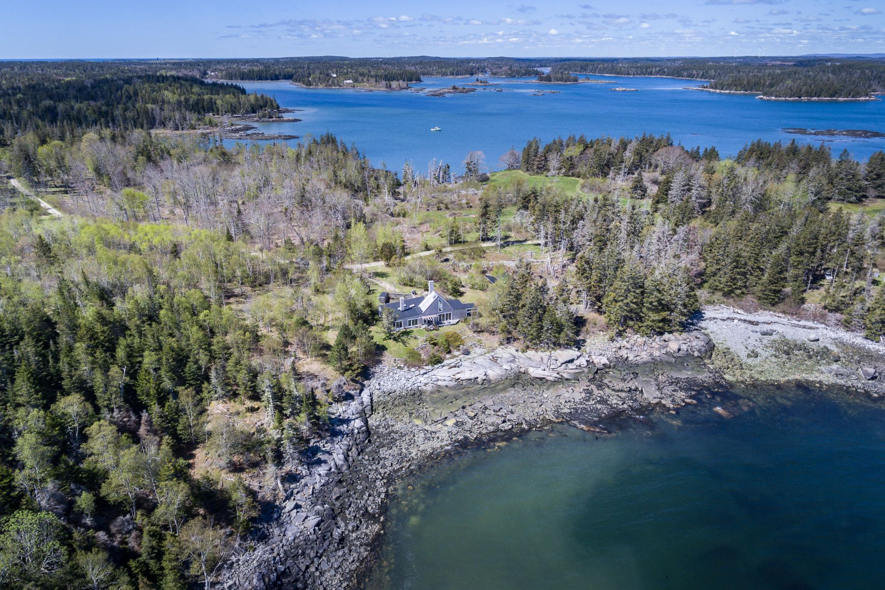 Single Family Homes for Active at 171 Coombs Neck Road Vinalhaven, Maine 04863 United States