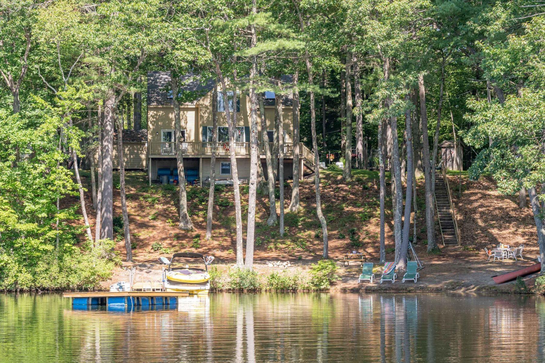 Single Family Homes por un Venta en 7 Hummingbird Lane Windham, Maine 04062 Estados Unidos