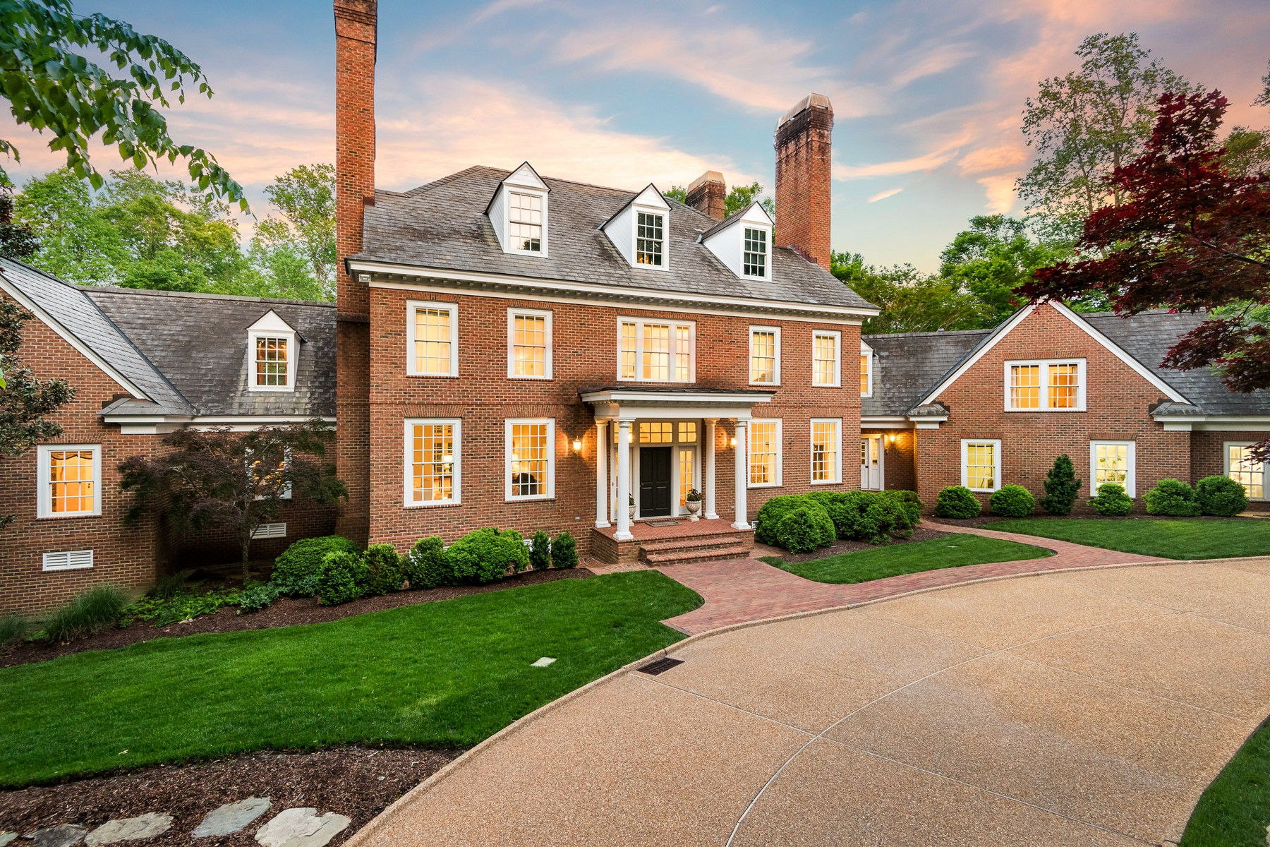 single family homes por un Venta en 800 South England Circle, Williamsburg 800 England Circle Williamsburg, Virginia 23185 Estados Unidos