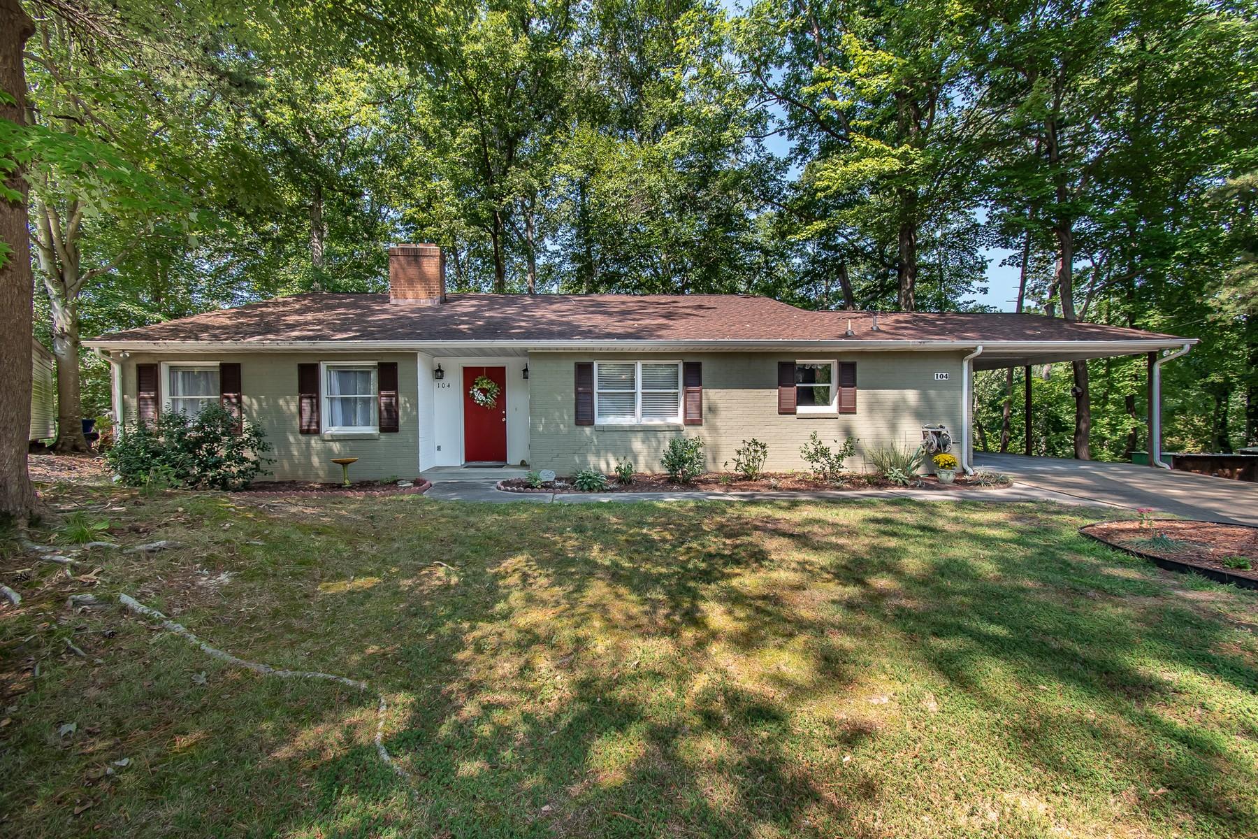 Single Family Homes por un Venta en 104 Rexford Drive Newport News, Virginia 23608 Estados Unidos
