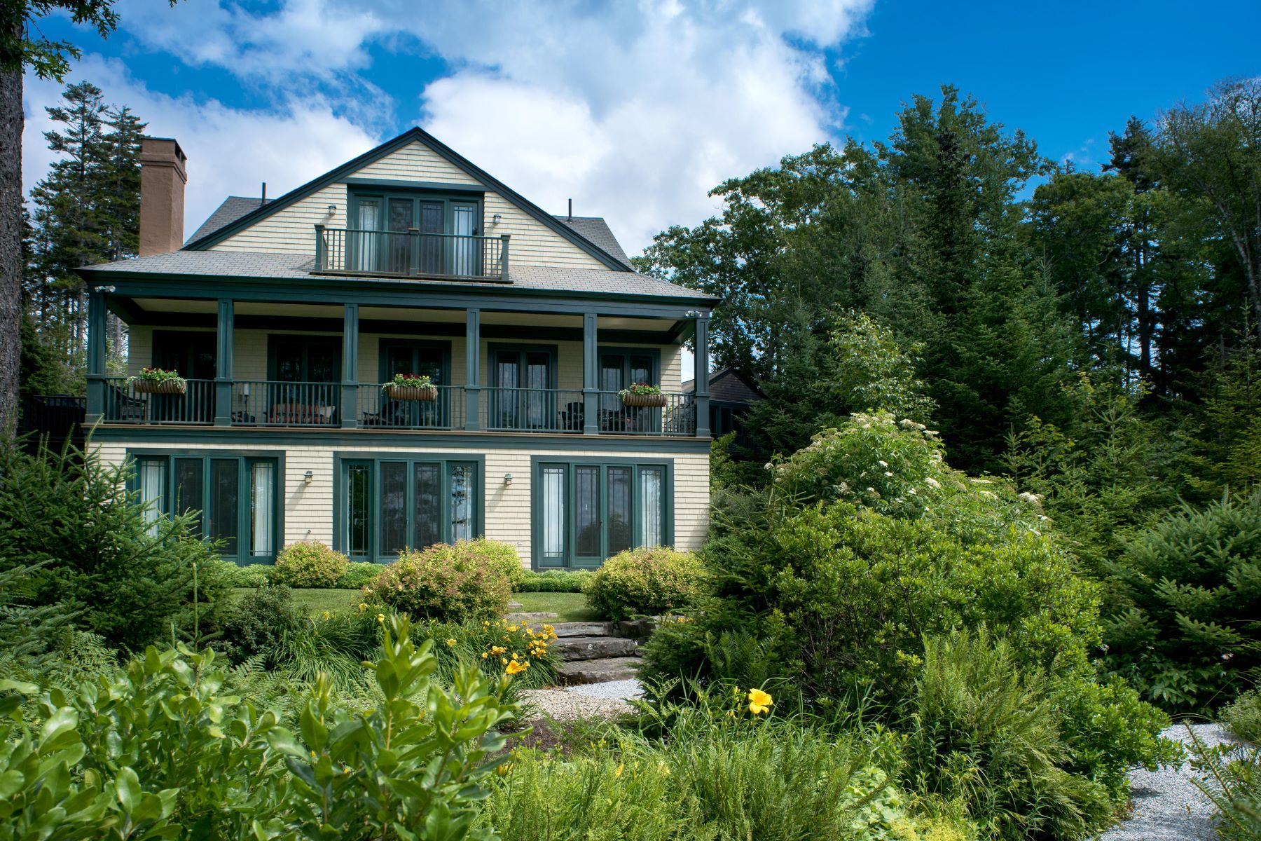 Single Family Homes for Active at 91 Jones Point Road South Bristol, Maine 04568 United States