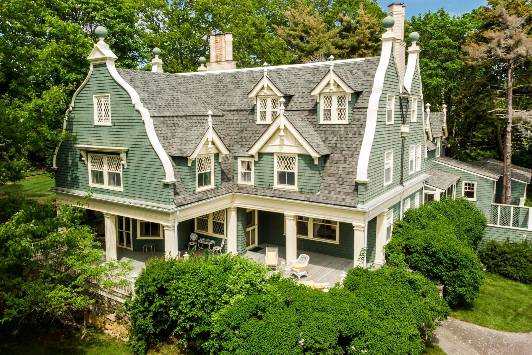 Single Family Homes for Active at 7 Haverhill Avenue Kennebunkport, Maine 04046 United States