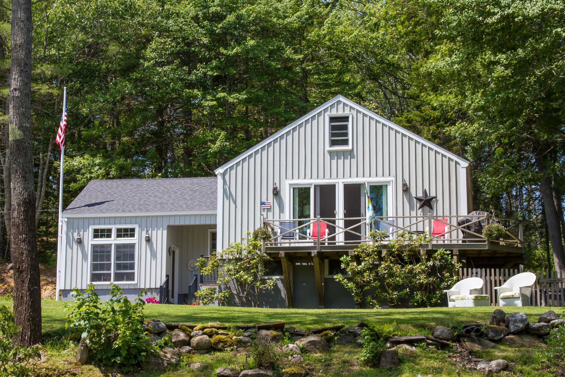 Single Family Homes por un Venta en 403 Hendricks Hill Road Southport, Maine 04576 Estados Unidos
