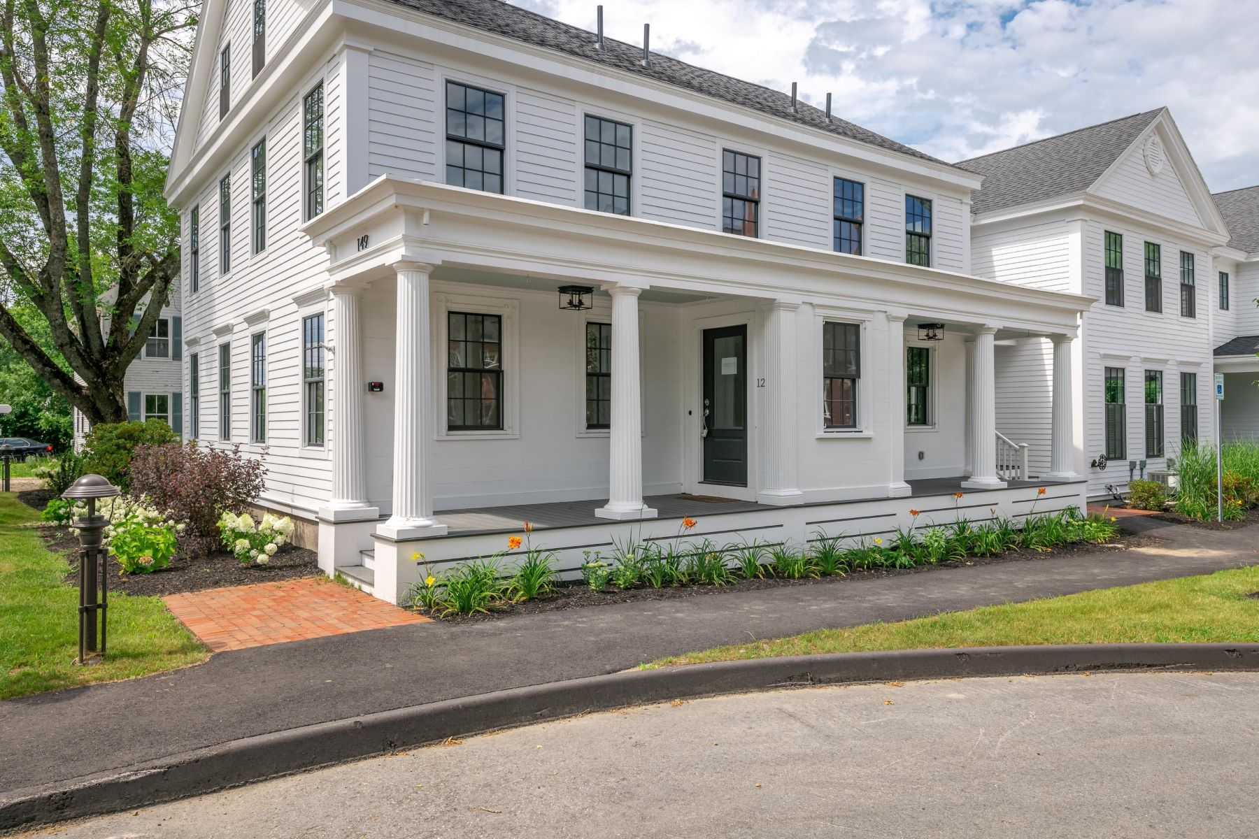 Condominiums for Active at 149 Main Street, 12 Yarmouth, Maine 04096 United States