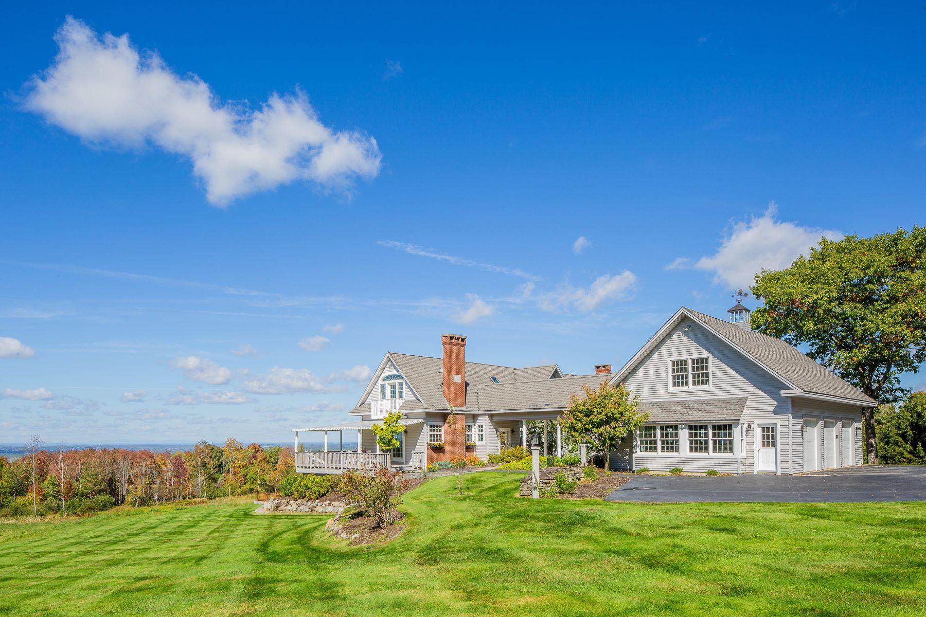 Single Family Homes por un Venta en 51 Valley View Road Holden, Maine 04429 Estados Unidos