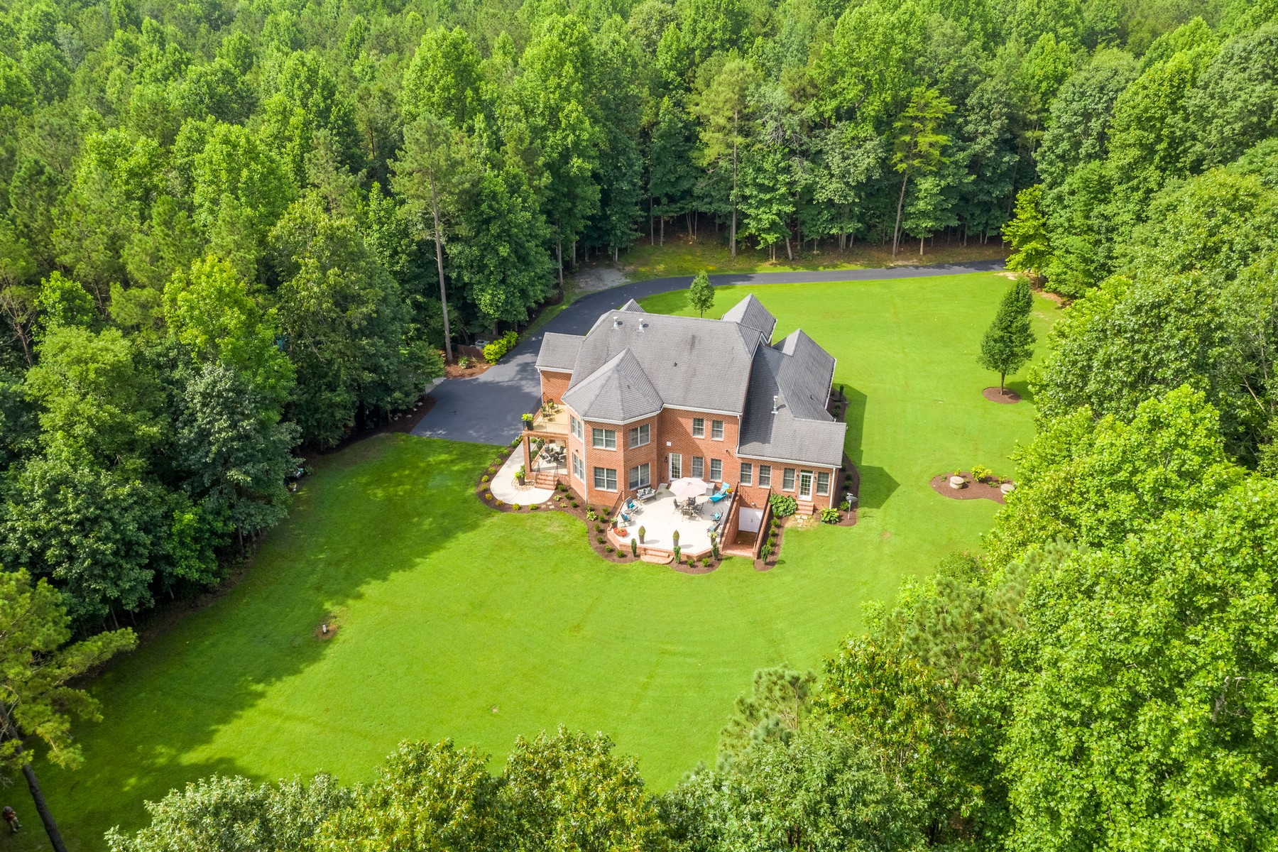 Single Family Homes for Active at Private Retreat in New Kent 8001 Iden Place Quinton, Virginia 23141 United States