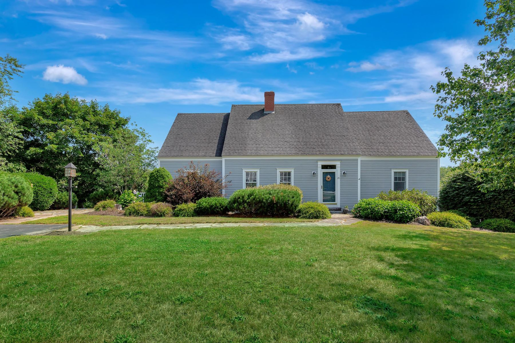 Single Family Homes for Active at 28 Pleasant Street Newcastle, Maine 04553 United States
