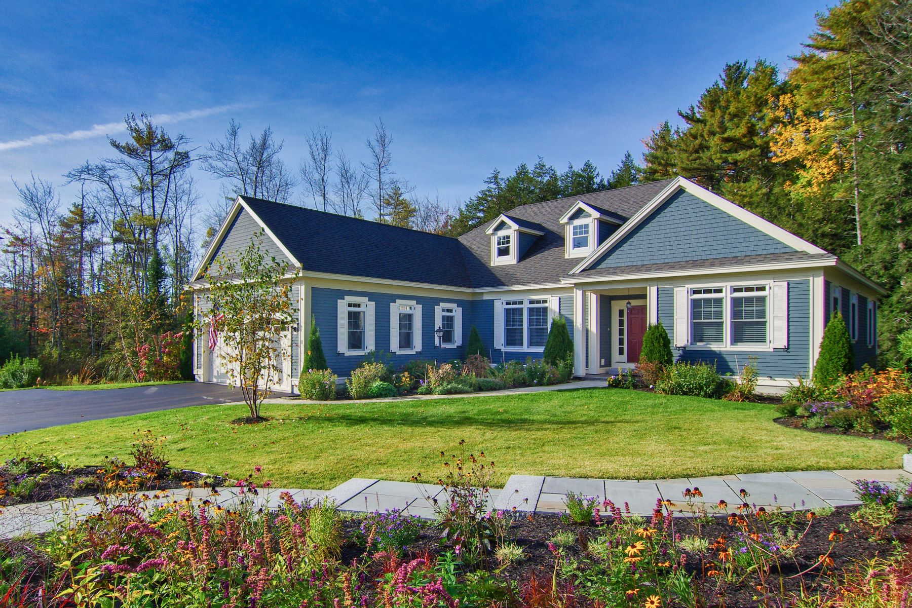 Condominiums for Sale at 11 Lindenwood Lane 11 Falmouth, Maine 04105 United States