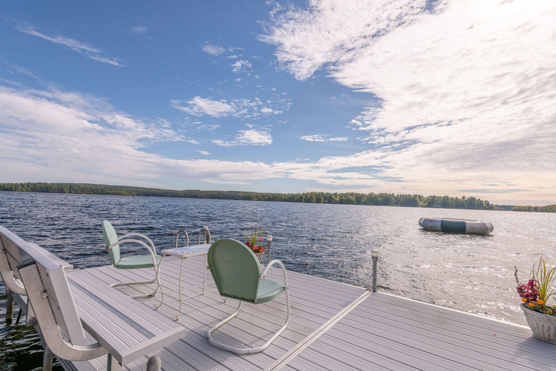 Single Family Homes for Active at 119 Mt Hunger Shore Road Windham, Maine 04062 United States