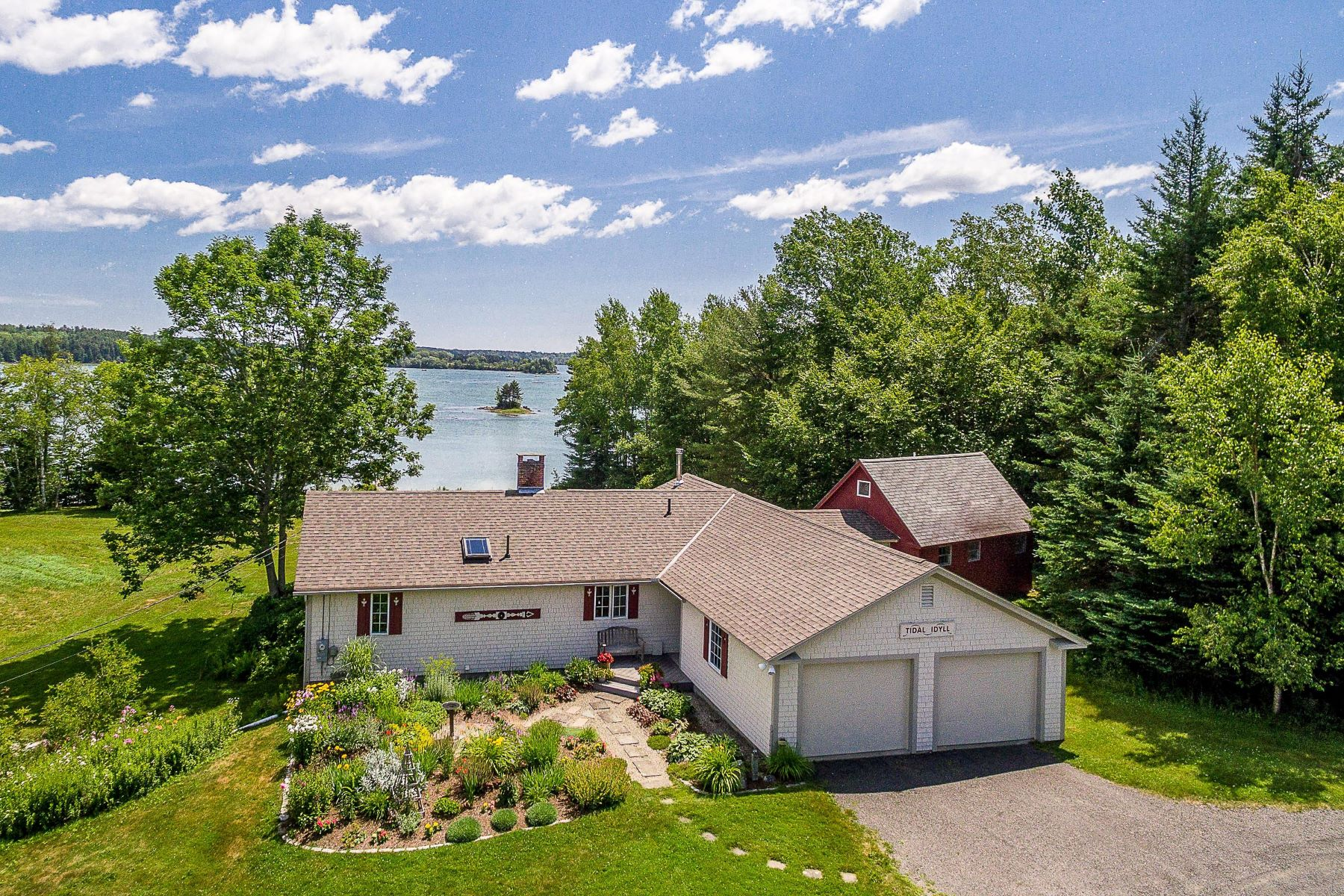 Single Family Homes for Active at 674 Pleasant Point Road Cushing, Maine 04563 United States