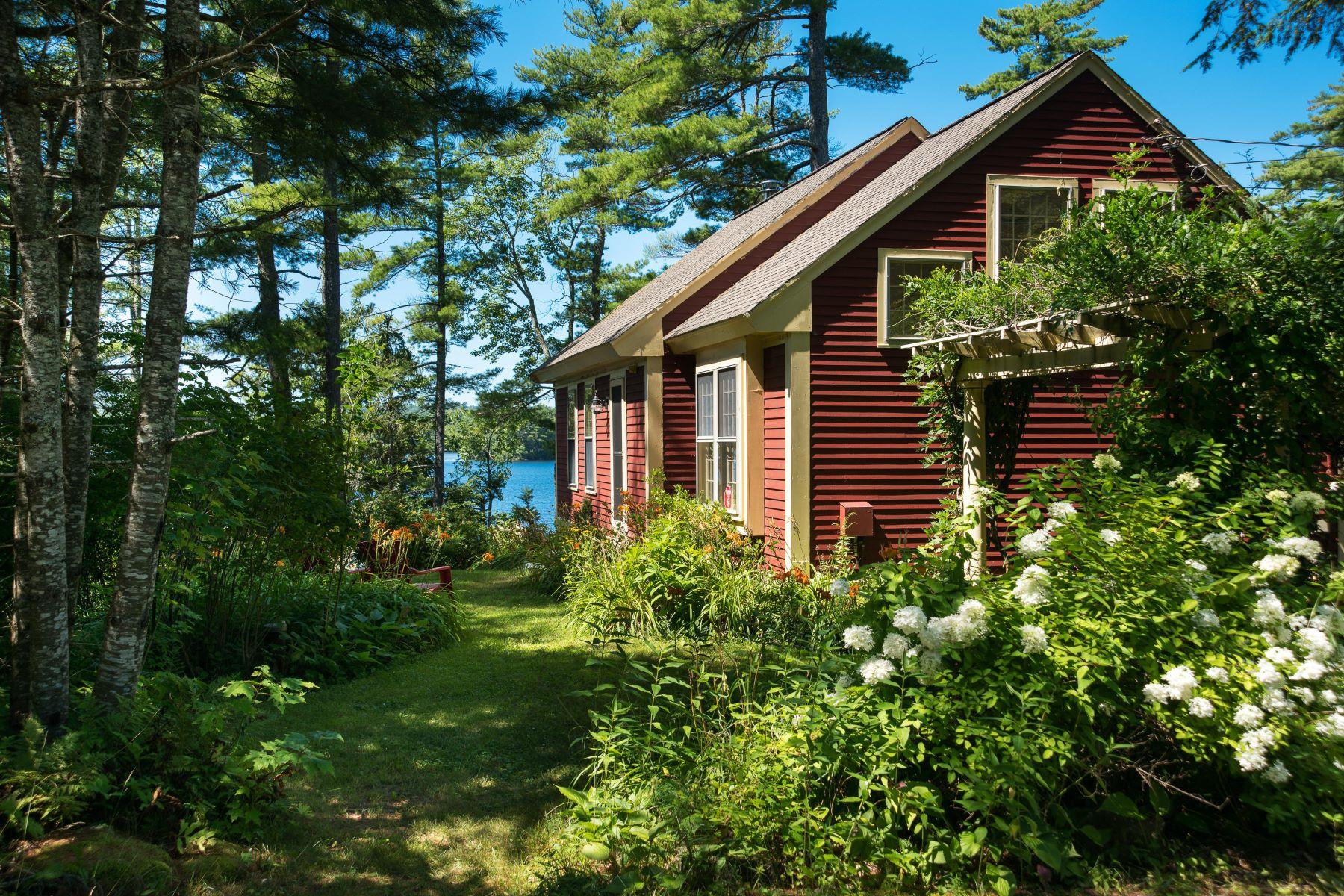 Single Family Homes por un Venta en 186 & 18 Wildwood Shores Road Nobleboro, Maine 04555 Estados Unidos
