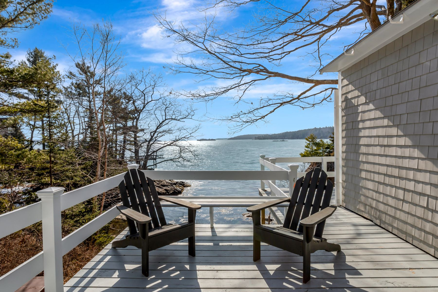 Single Family Homes for Active at 142 Murray Hill Road Boothbay, Maine 04544 United States