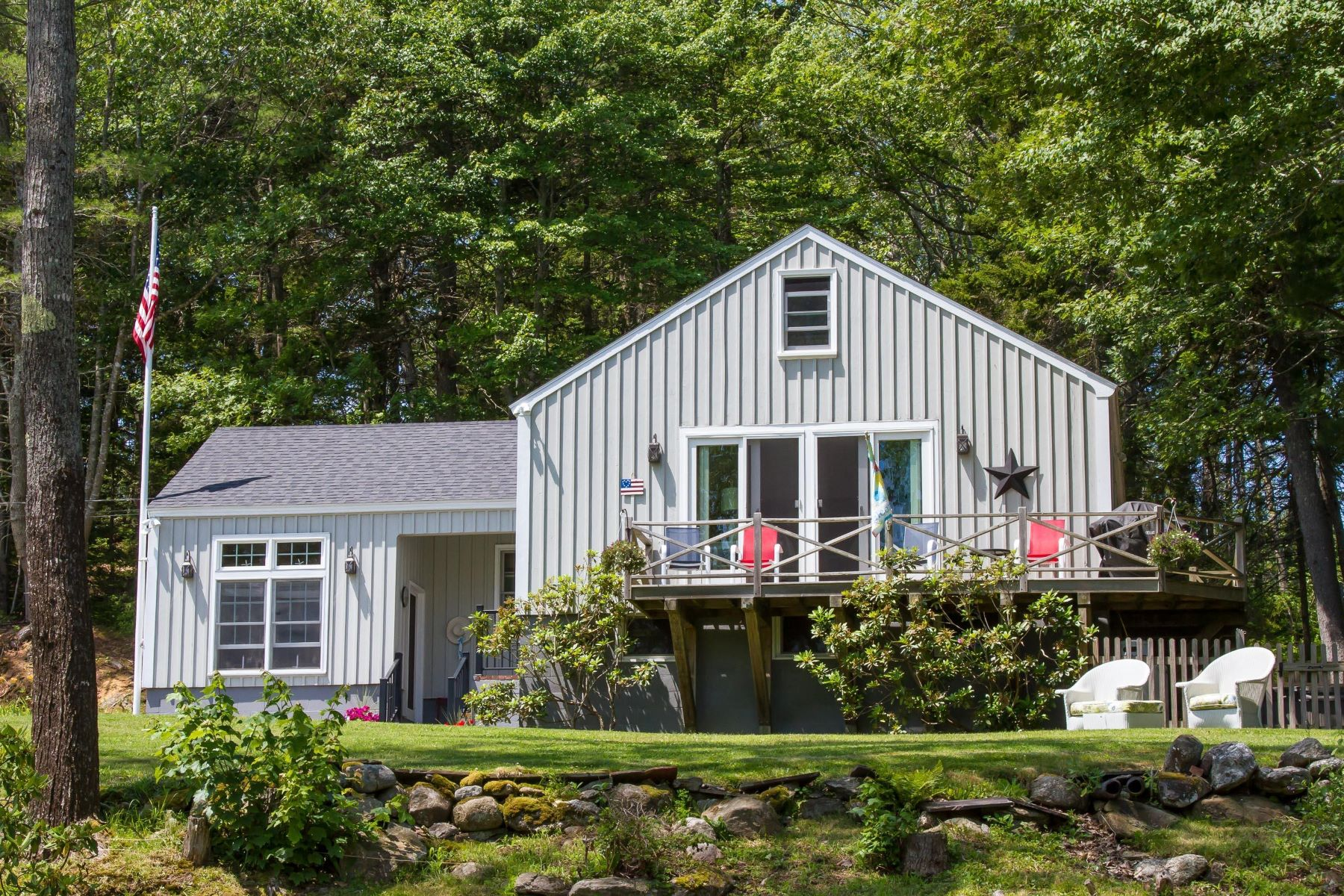 Single Family Homes for Active at 403 Hendricks Hill Road Southport, Maine 04576 United States