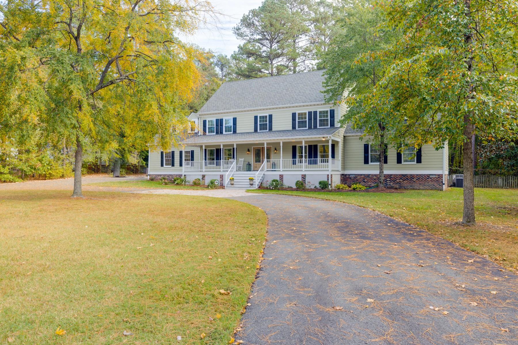 Single Family Homes por un Venta en 12349 Country Creek Way Henrico, Virginia 23059 Estados Unidos