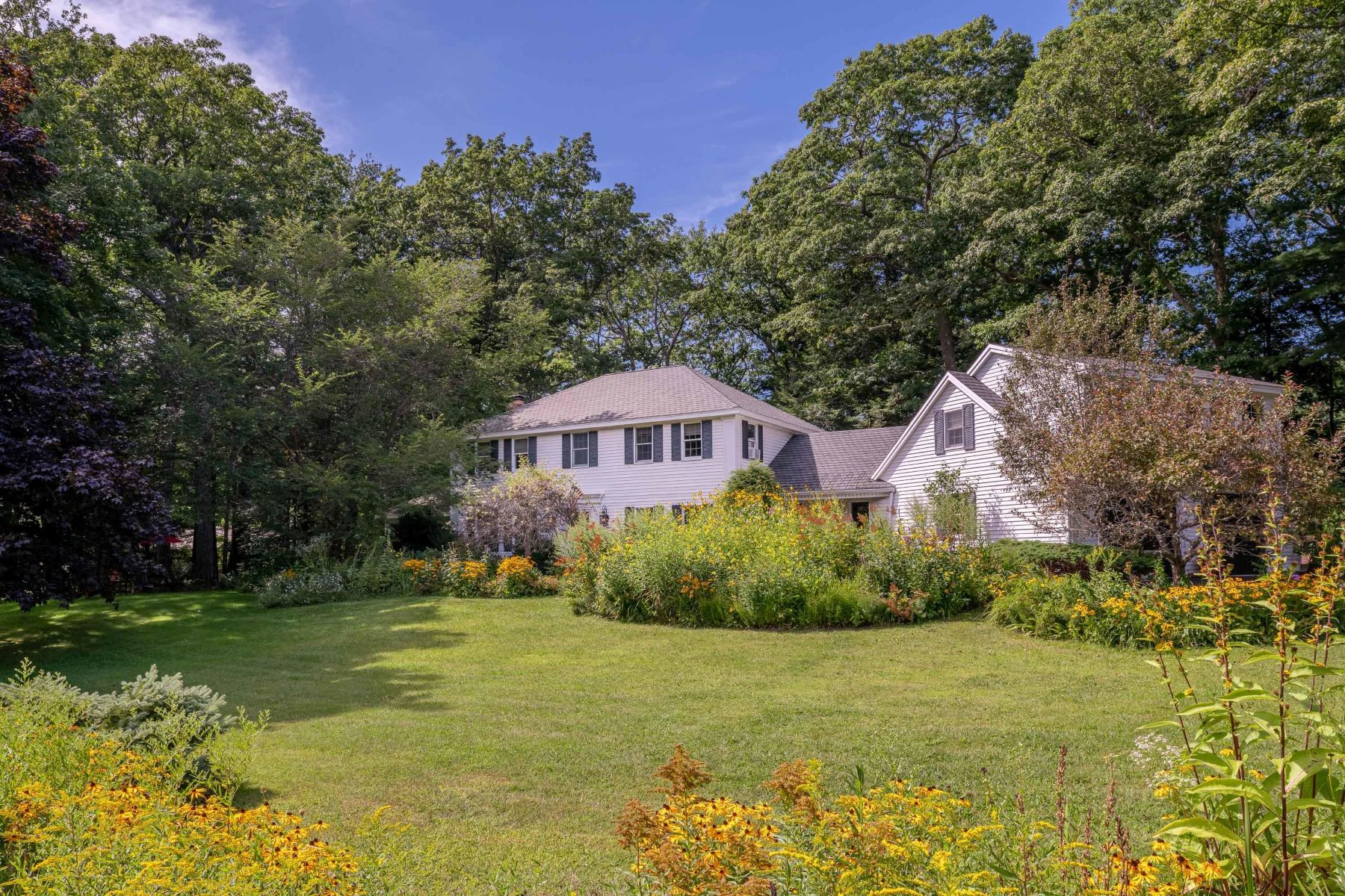 Single Family Homes for Sale at 15 Cranbrook Drive Cape Elizabeth, Maine 04107 United States
