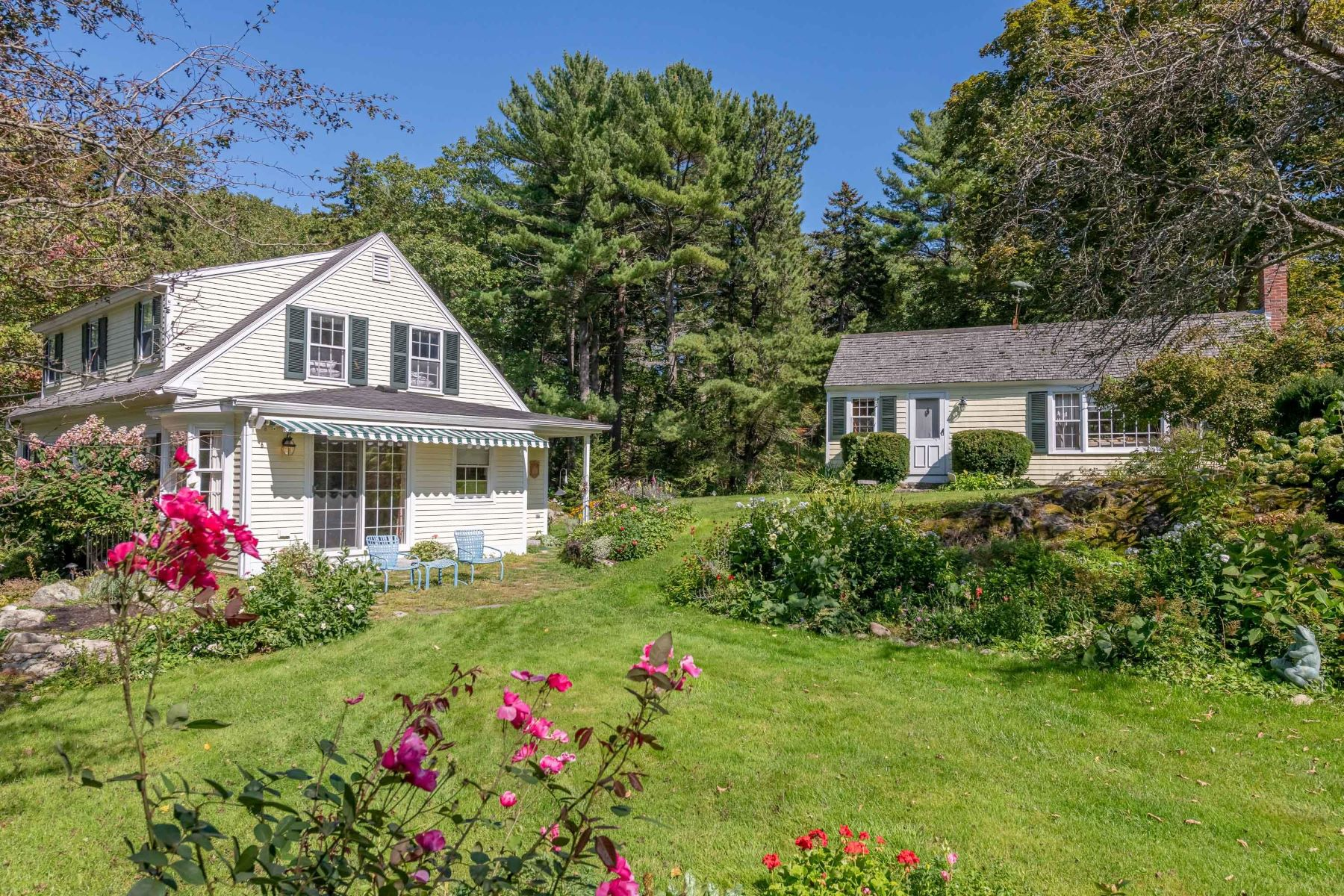 Single Family Homes for Active at 30 Main Street Kennebunkport, Maine 04046 United States