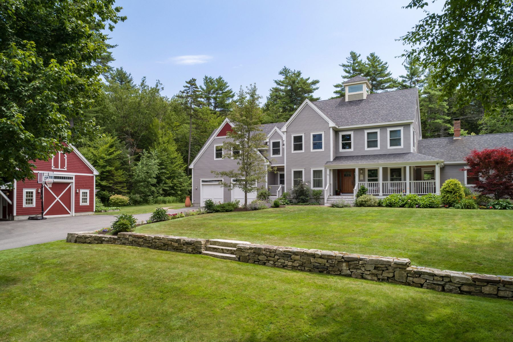 Single Family Homes for Active at 35 Fieldstone Lane Falmouth, Maine 04105 United States