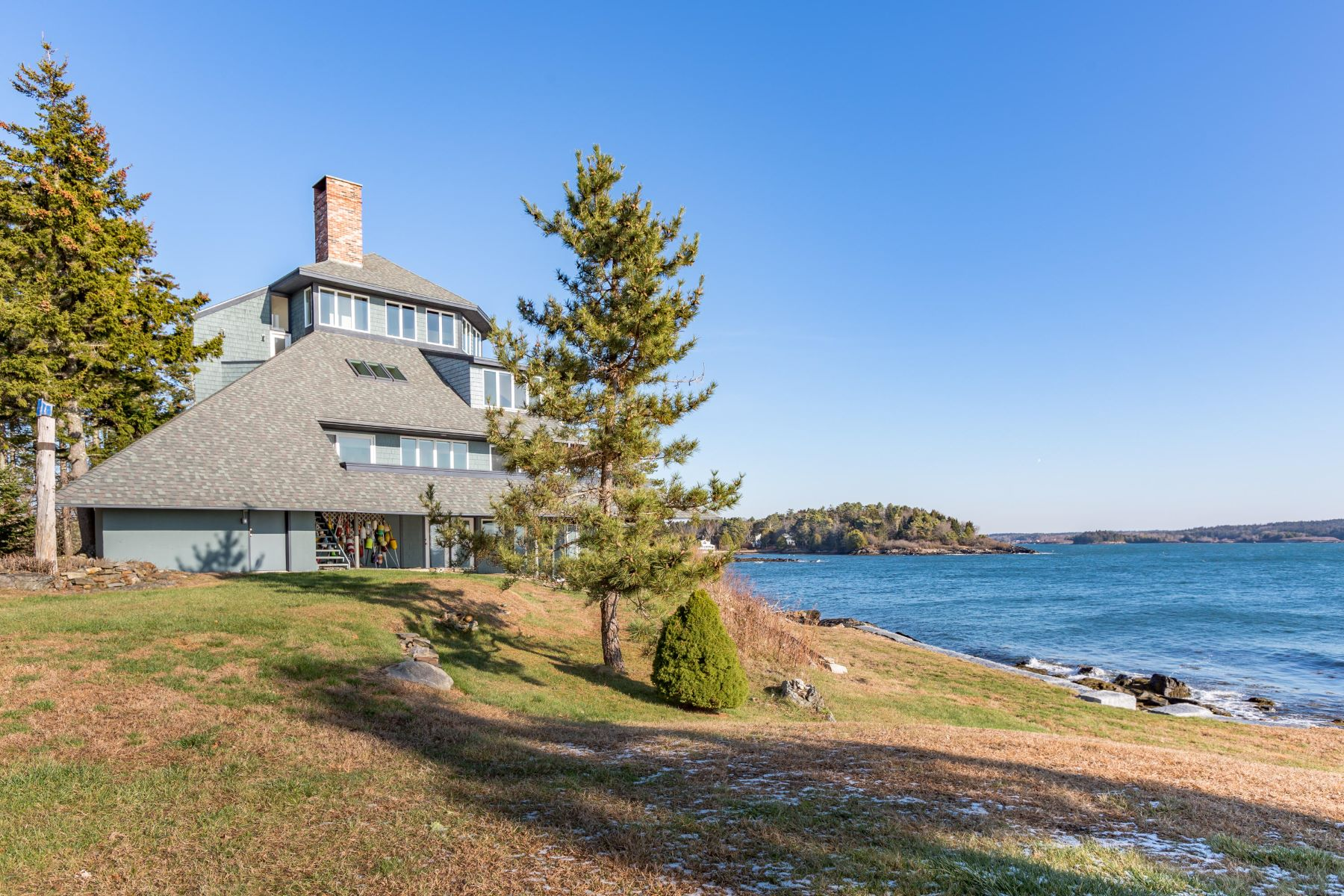 Single Family Homes for Active at 445 Long Point Road Harpswell, Maine 04079 United States
