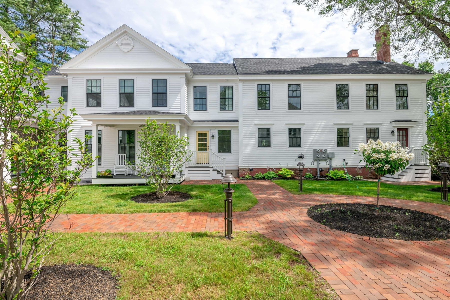 Condominiums for Active at 149 Main Street, 11 Yarmouth, Maine 04096 United States