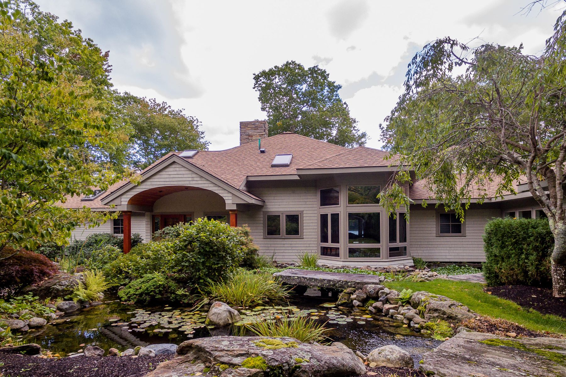 Single Family Homes for Active at 5 Norumbega Drive Camden, Maine 04843 United States