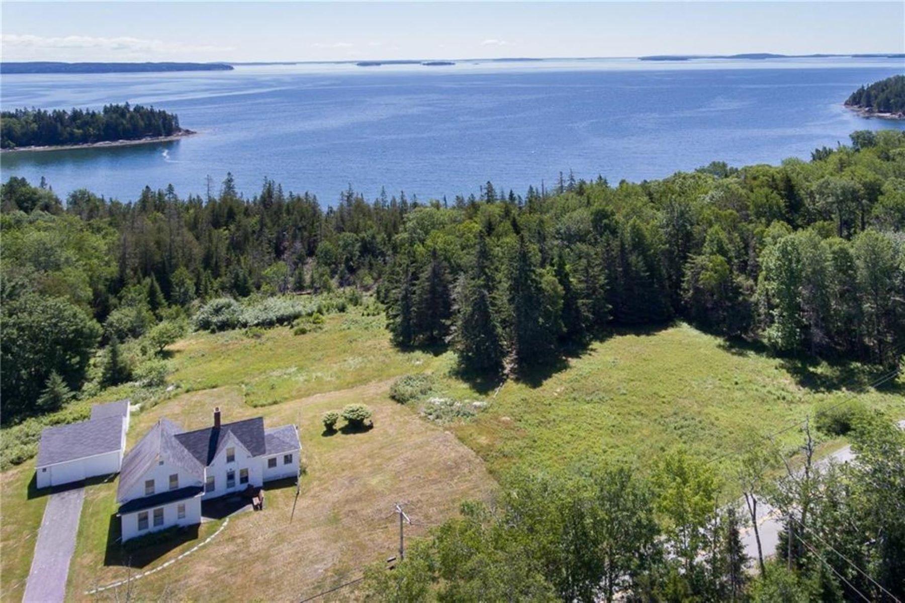 Single Family Homes for Active at 689 Main Road Islesboro, Maine 04848 United States