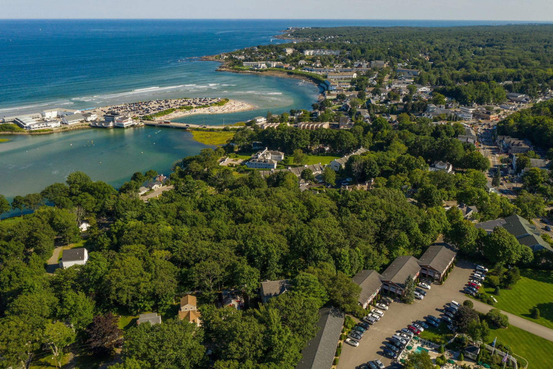Single Family Homes for Active at 33 Hickory Hill Lane Ogunquit, Maine 03907 United States
