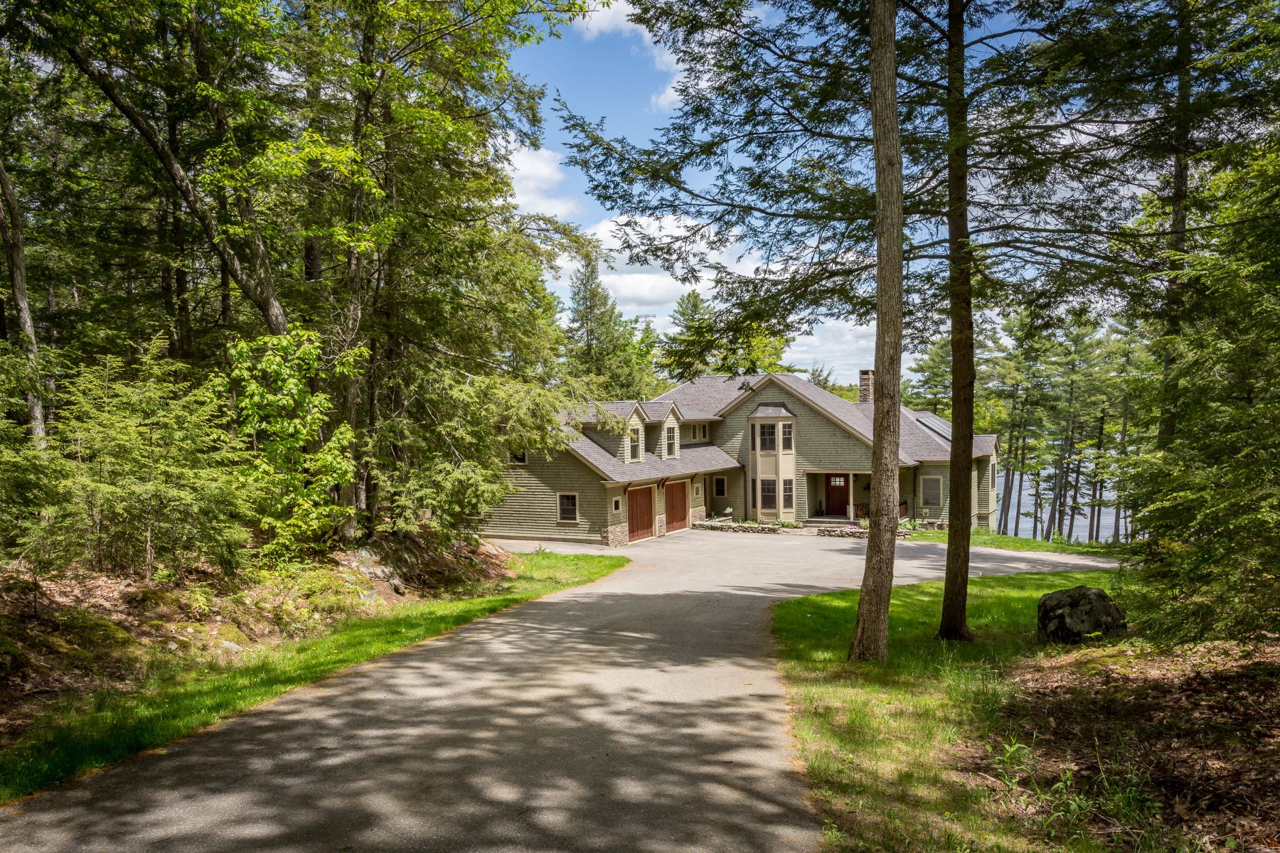 Single Family Homes for Active at 51 West Chops Point Road Bath, Maine 04530 United States