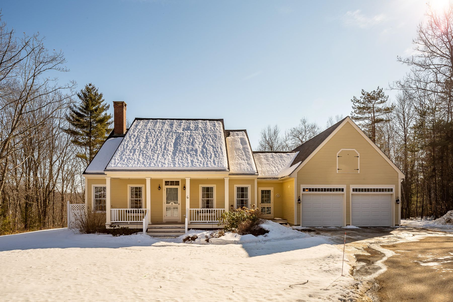 Single Family Homes for Active at 6 Mirror Lake Lane Rockport, Maine 04856 United States