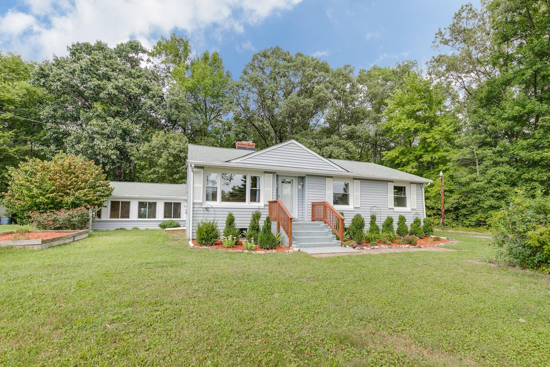 Single Family Homes для того Продажа на 5526 Pole Green Road Mechanicsville, Виргиния 23116 Соединенные Штаты