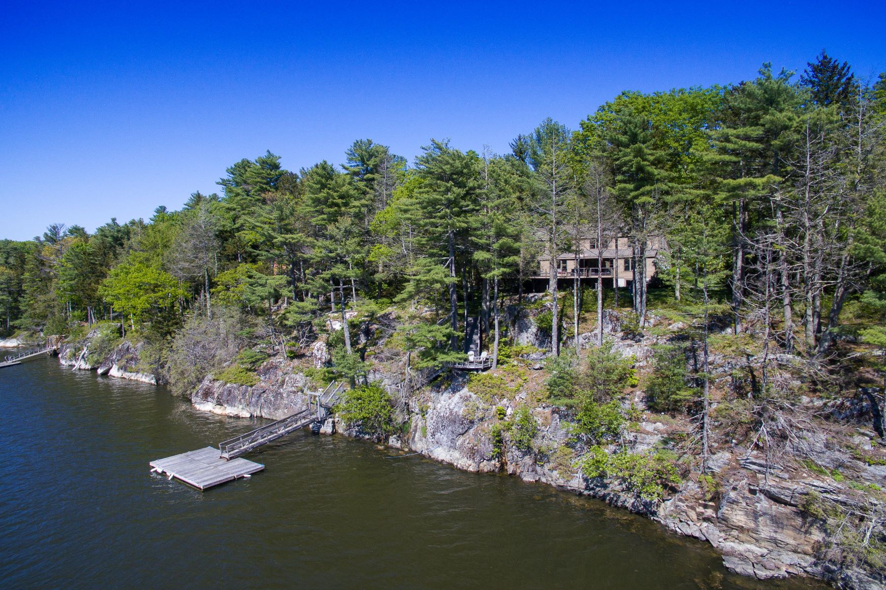 Single Family Homes for Active at 195 Youngs Point Road Wiscasset, Maine 04578 United States