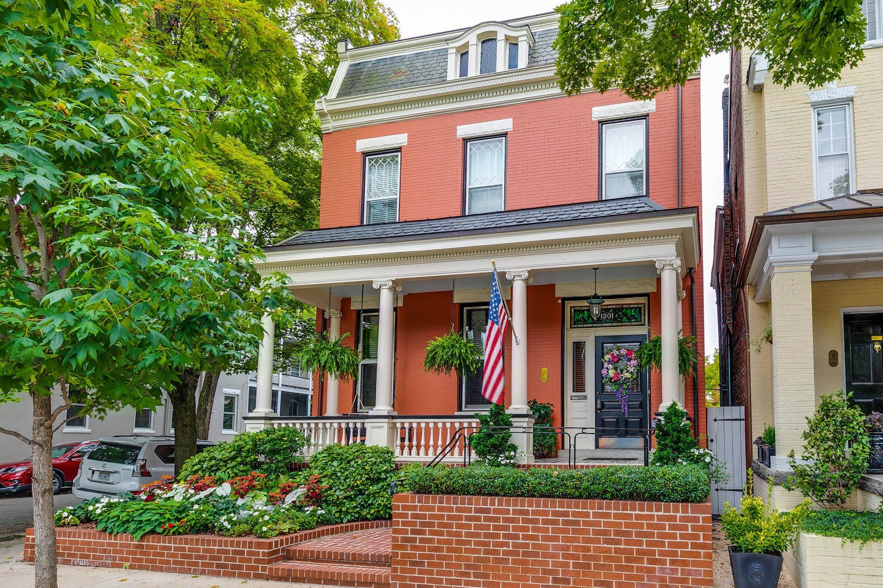 Single Family Homes pour l Vente à 1901 Grove Avenue Richmond, Virginia 23220 États-Unis