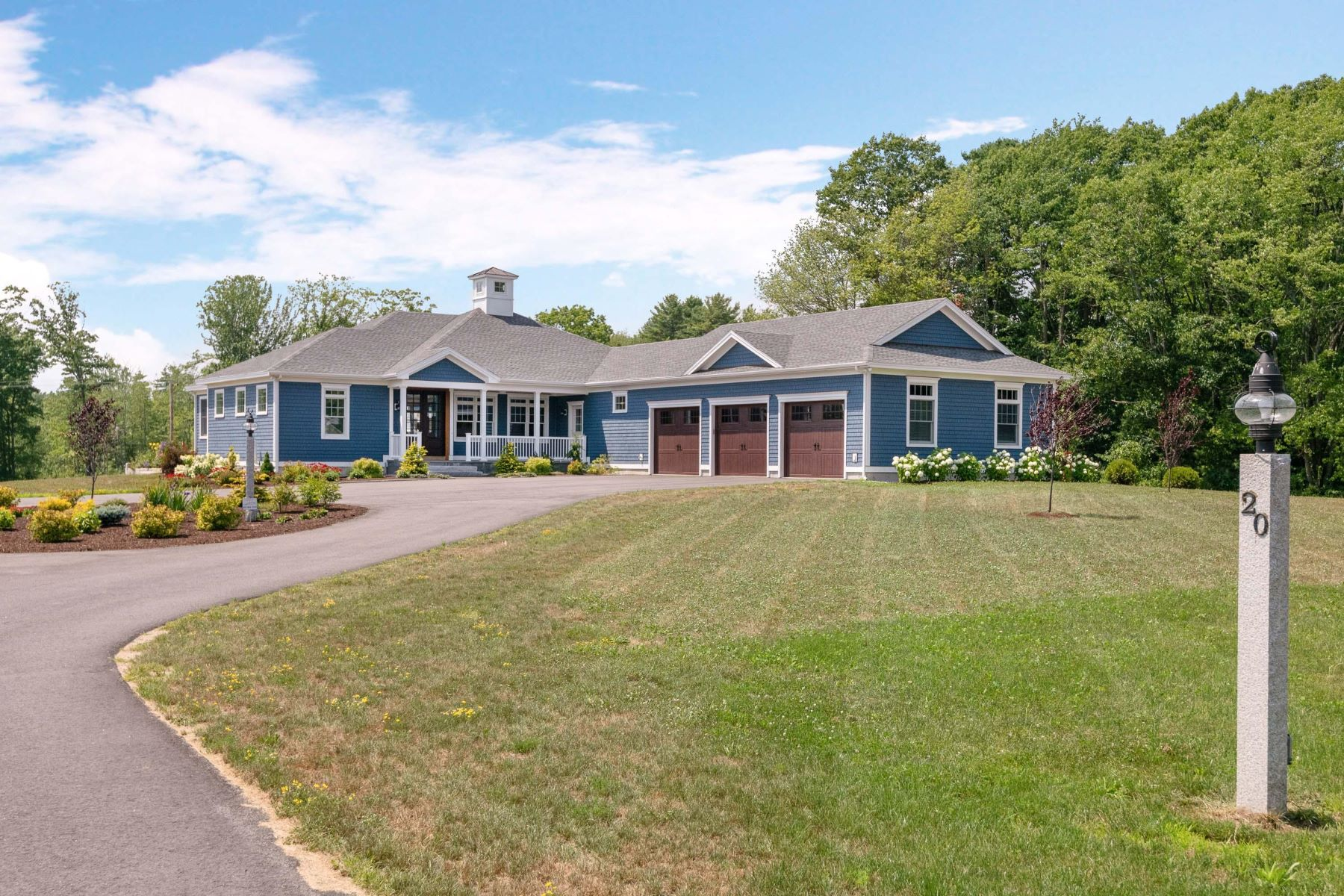Single Family Homes for Active at 20 Mt Kineo Road Kennebunkport, Maine 04046 United States