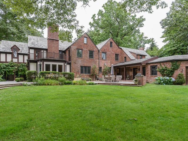 Single Family Homes für Verkauf beim 370 Manhasset Woods Rd, Manhasset, New York 11030 Vereinigte Staaten